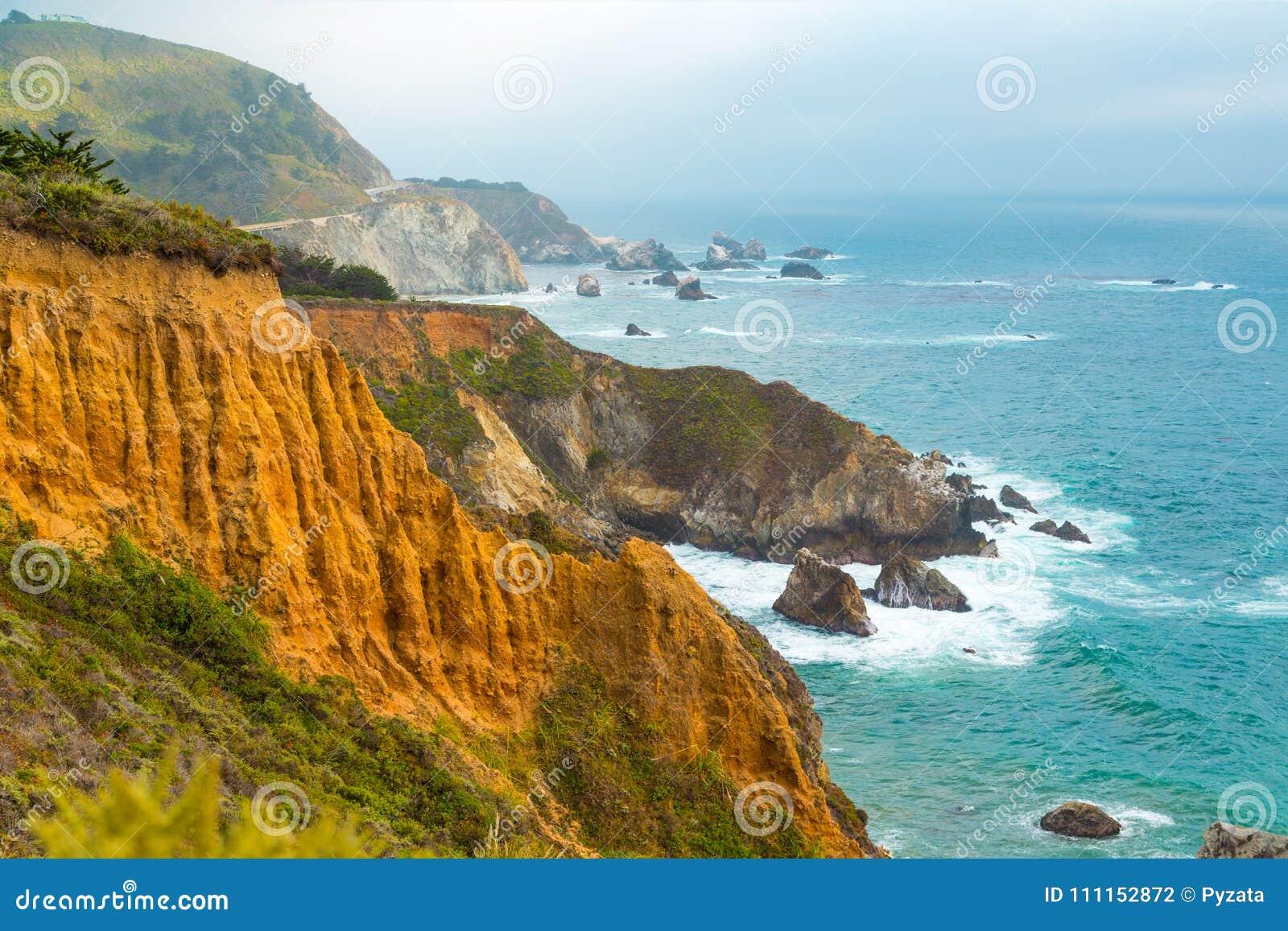 Litoral em Big Sur, Califórnia