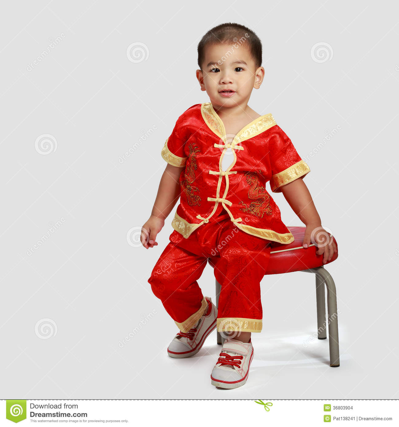 47c6b1e64 Little Asian Boy In Traditional Chinese Cheongsam Stock Photo ...