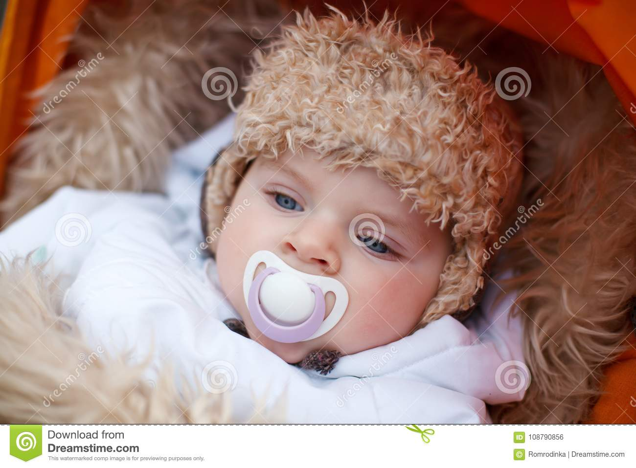 871539f884df Little Baby Boy In Warm Winter Clothes Outdoor Stock Photo - Image ...