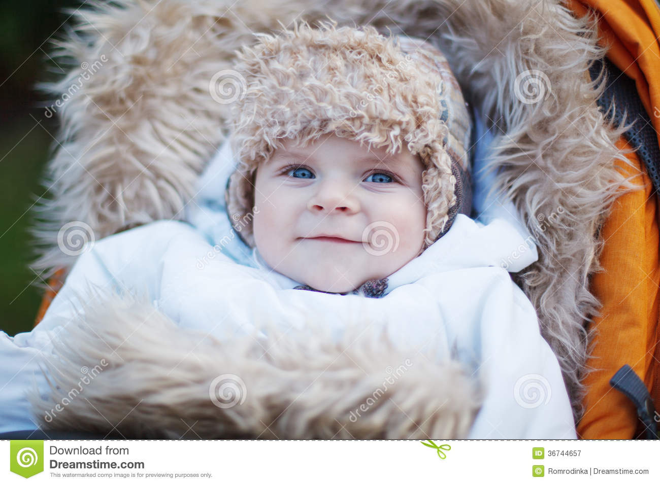 b91f131bb637 Little Baby Boy In Warm Winter Clothes Outdoor Stock Image - Image ...