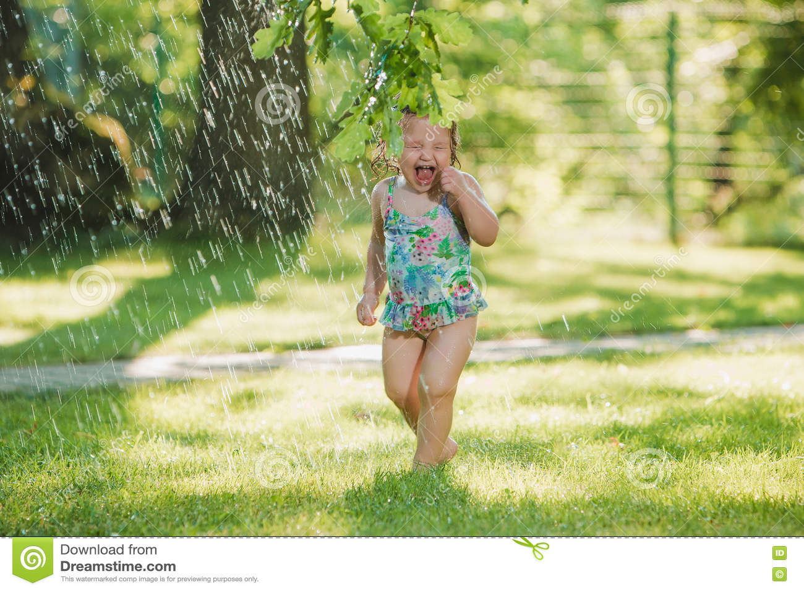 Humor in green grass running water
