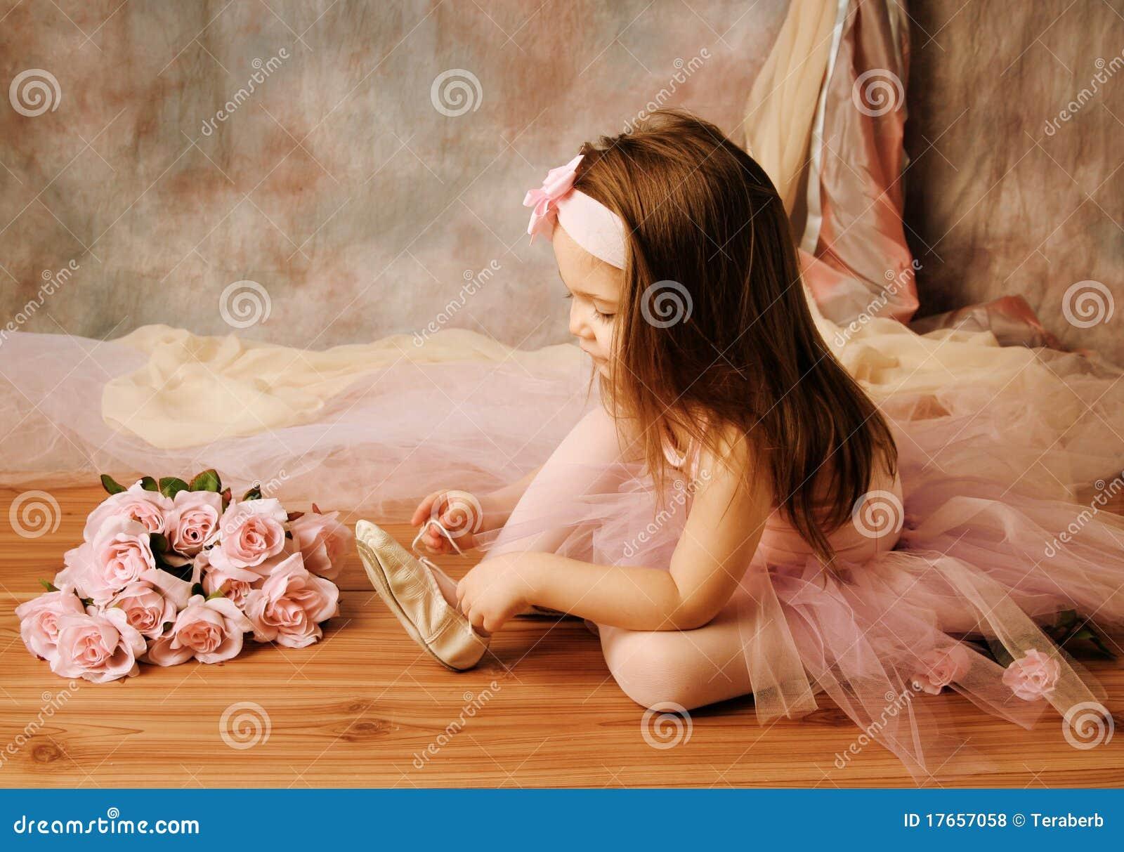 Фото мастурбация маленькой девочки 1 фотография