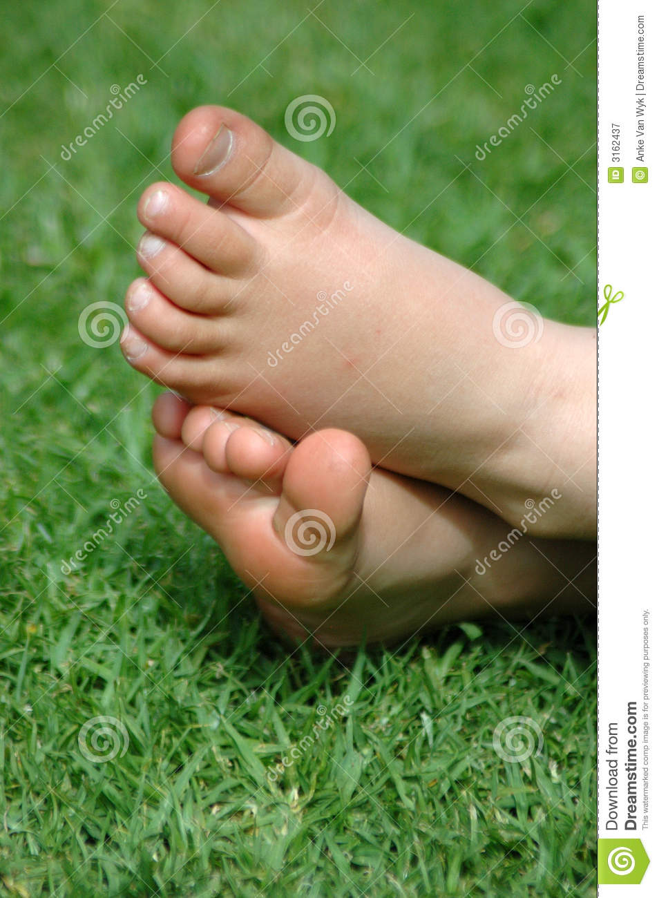 Is Bare Minerals Makeup Cruelty Free: Little Bare Feet Stock Image. Image Of Children, Girl