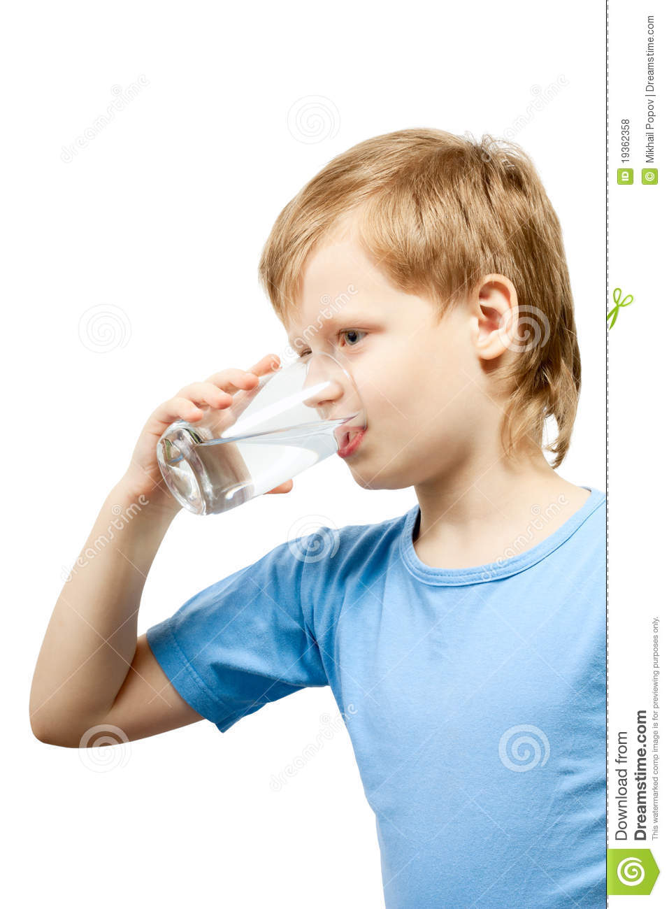 Little boy drink cold water royalty free stock photos image