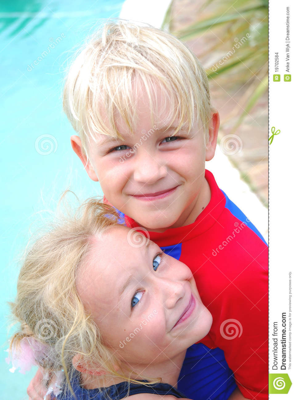 little boy and girl best friends stock images   image
