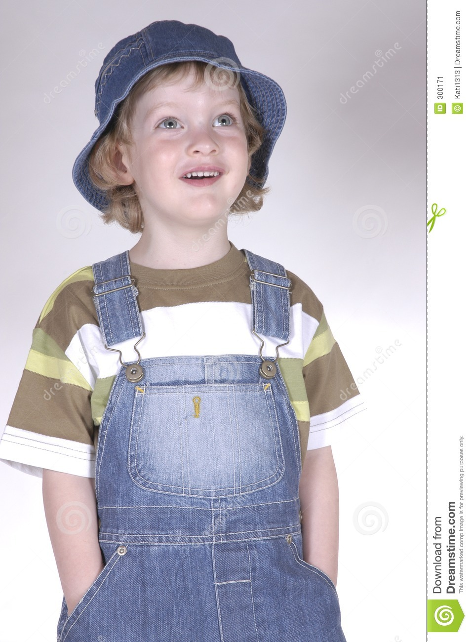 Little boy with hat