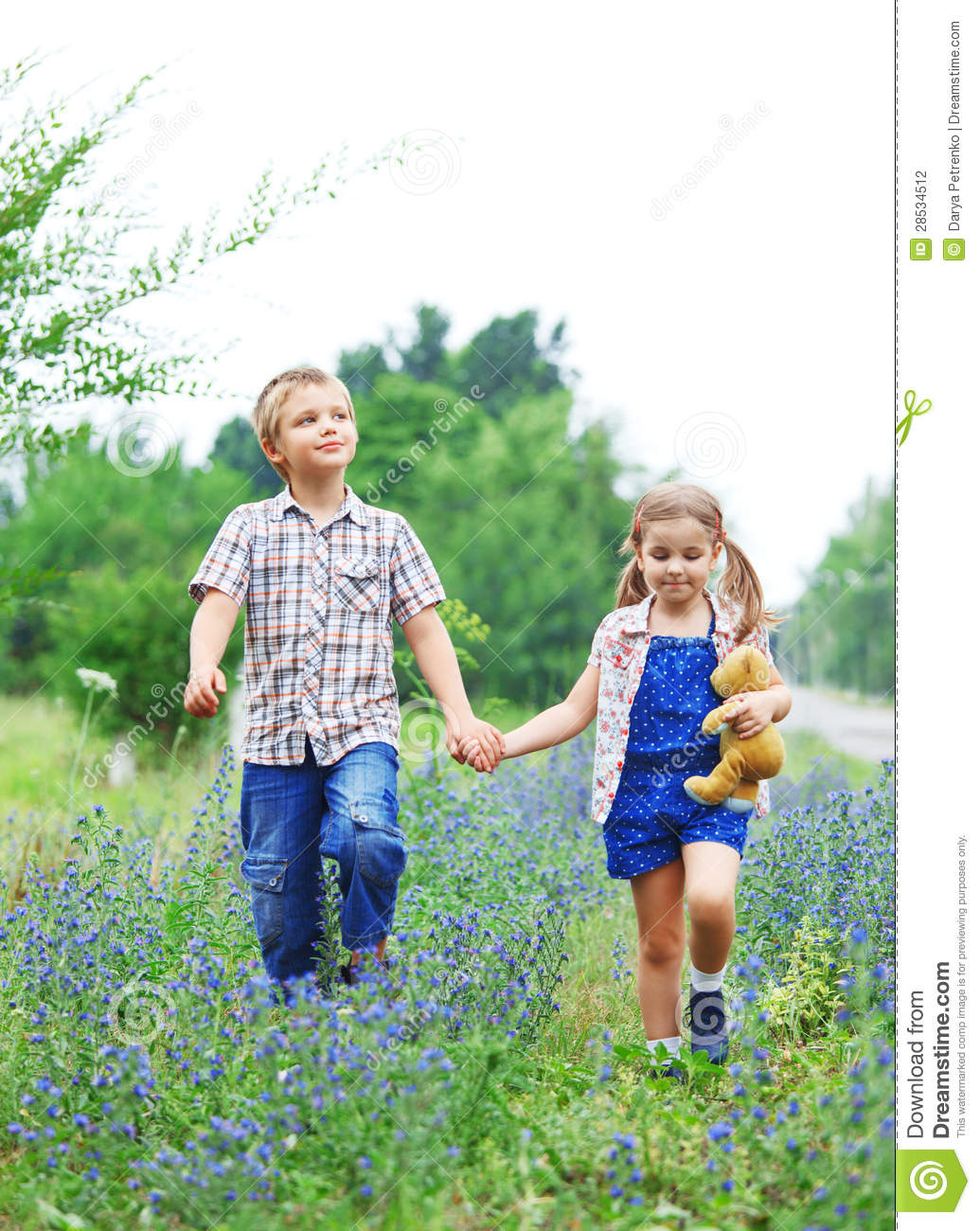 Boy And Girl Bedroom Decor: Little Boy And Little Girl With Walking Stock Photography