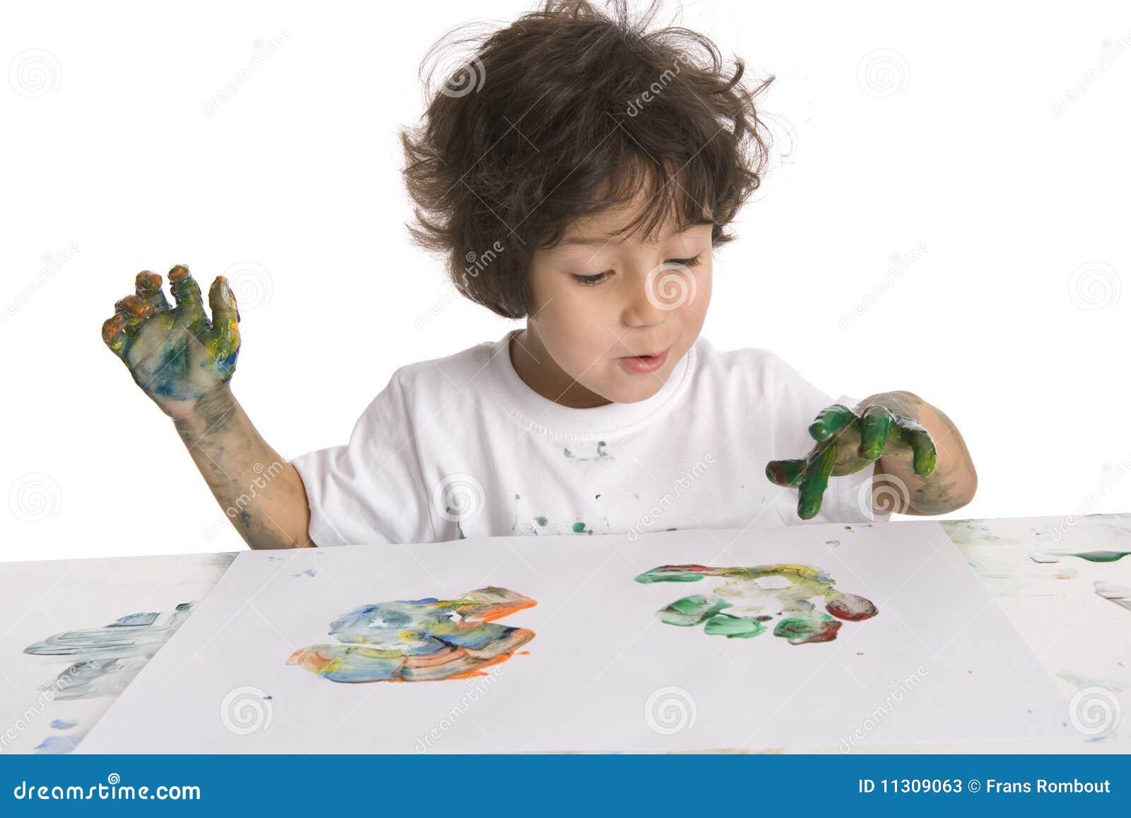 Little Boy maakt het Schilderen van de Vinger