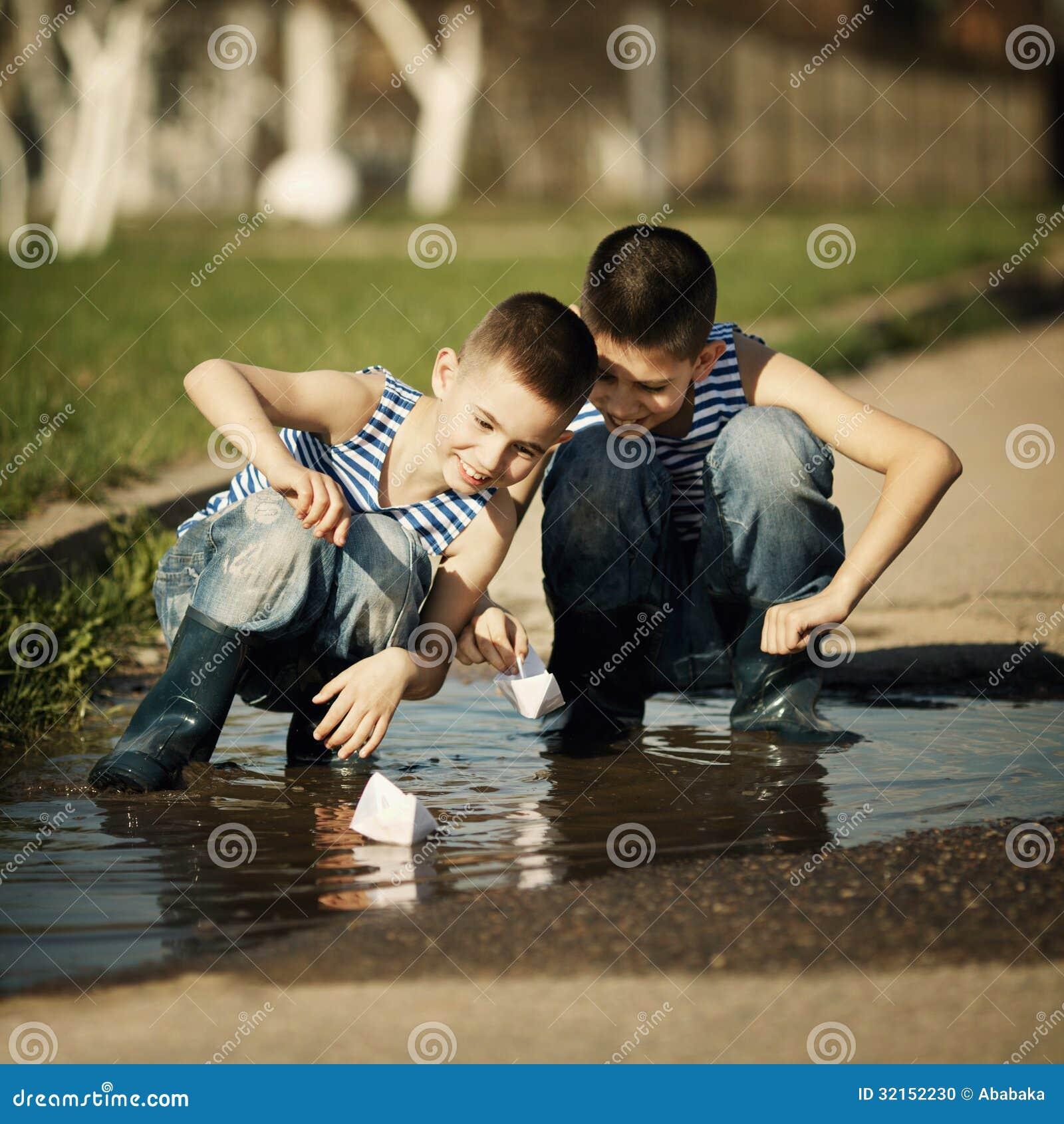 littles boys plays sexgames