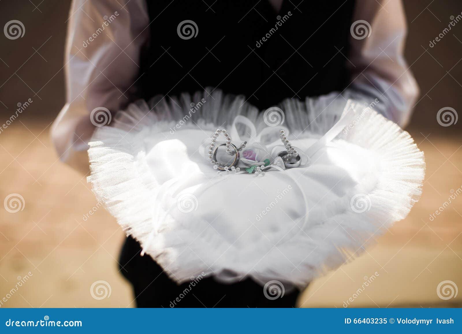 Little Boy Ring Bearer Holding Two Luxury Wedding Rings Closeup: Wedding Band Little Boy At Reisefeber.org