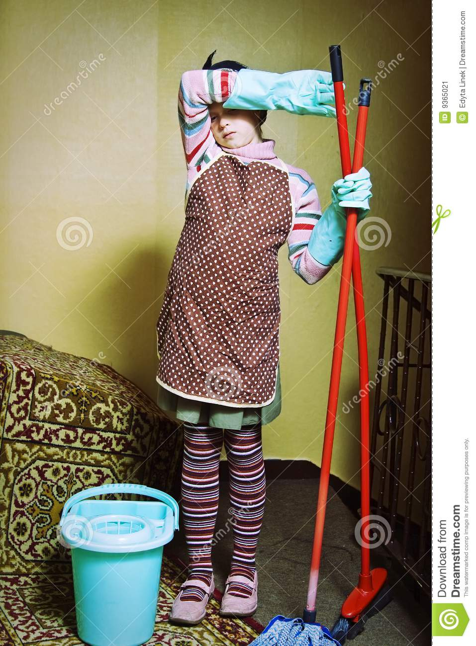 Little Cleaning Lady Stock Image Image Of Dust Girls