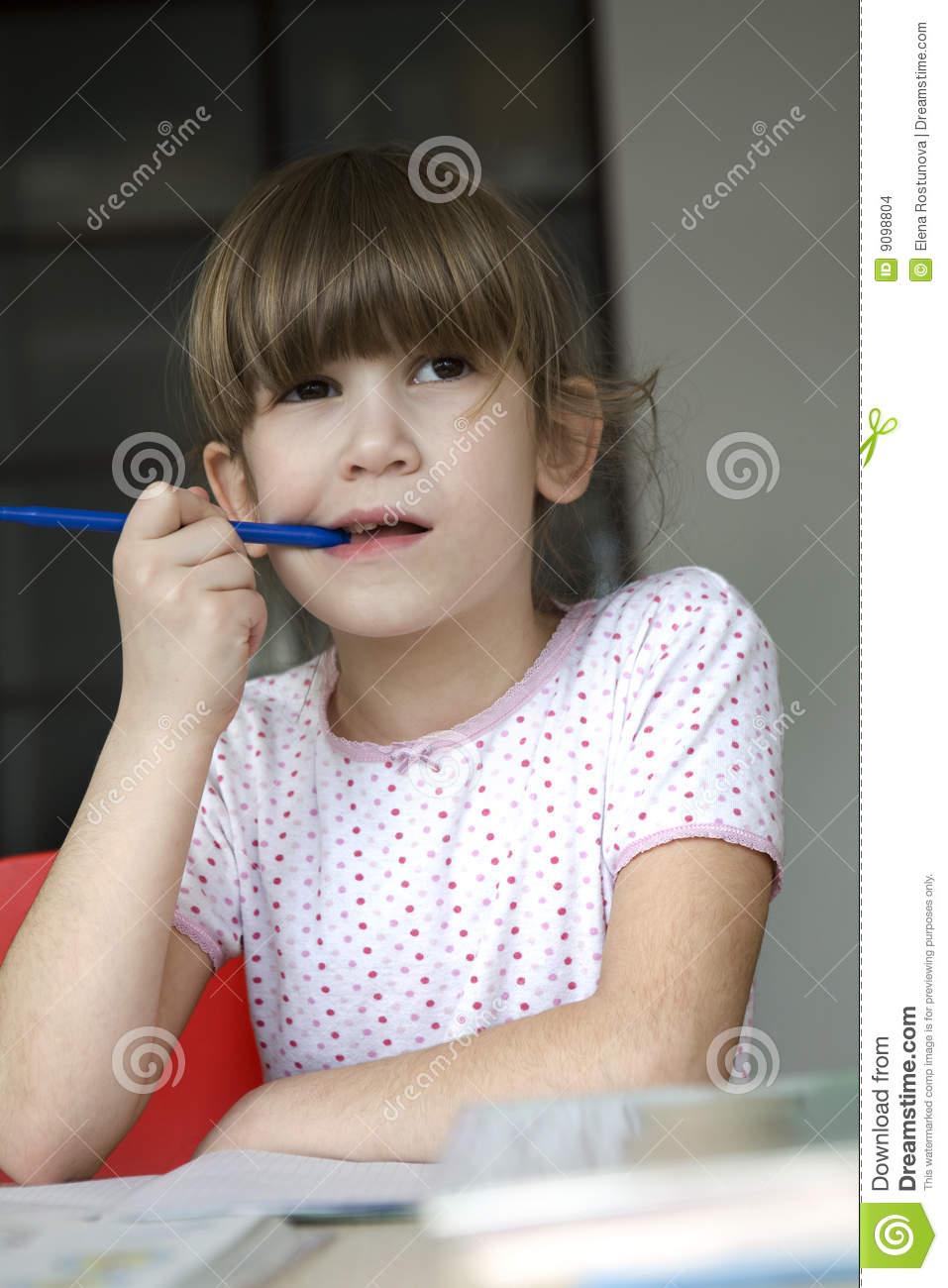 https://thumbs.dreamstime.com/z/little-cute-girl-seven-years-old-do-homework-9098804.jpg
