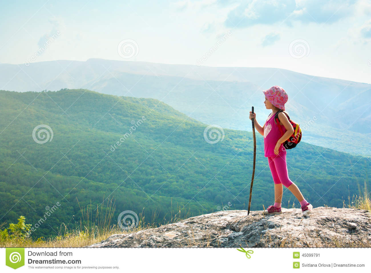 a description of sarah standing at the top of the cliff The easiest way to measure the height of a tree is to fold a piece of paper in half so it forms a right triangle then, hold the triangle so one point faces your eye while the right angle and other point face the tree.