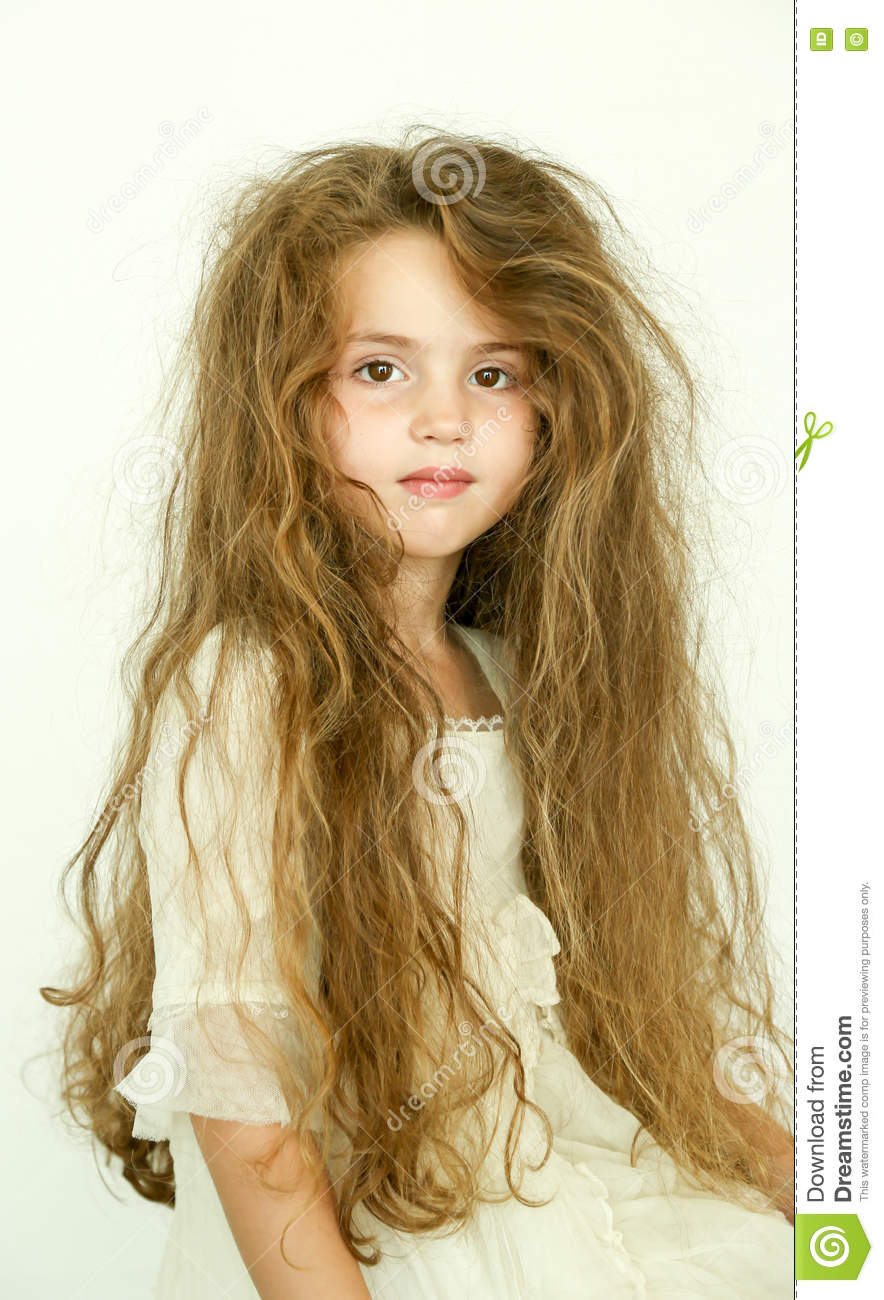 castaway auburn hair and little girl Little girl features , here at wwwgalleryhipcom you will find the hippest pics that will delight & inspire you castaway auburn hair and l.