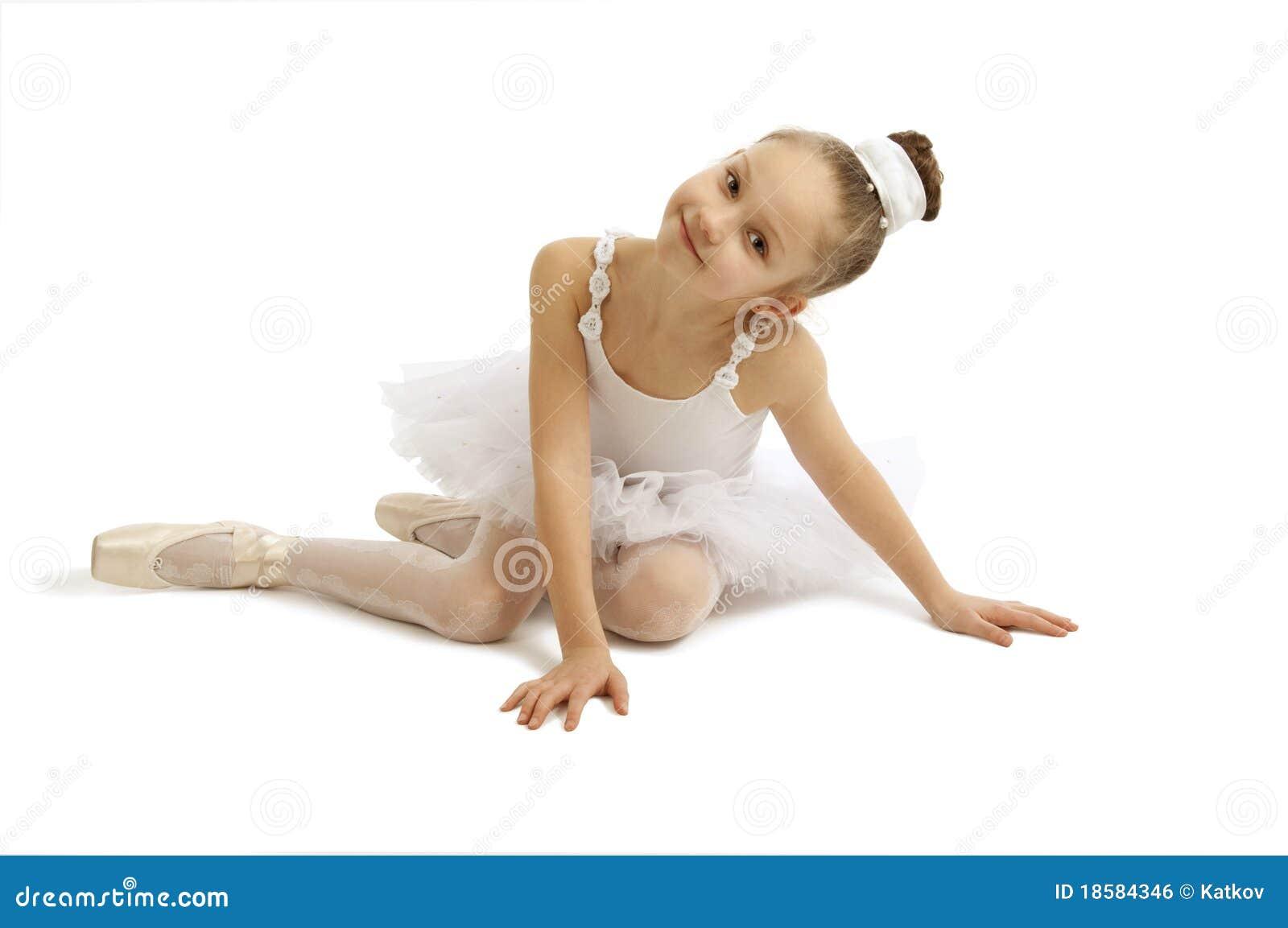 Little Girl Ballerina Royalty Free Stock Image - Image: 18584346