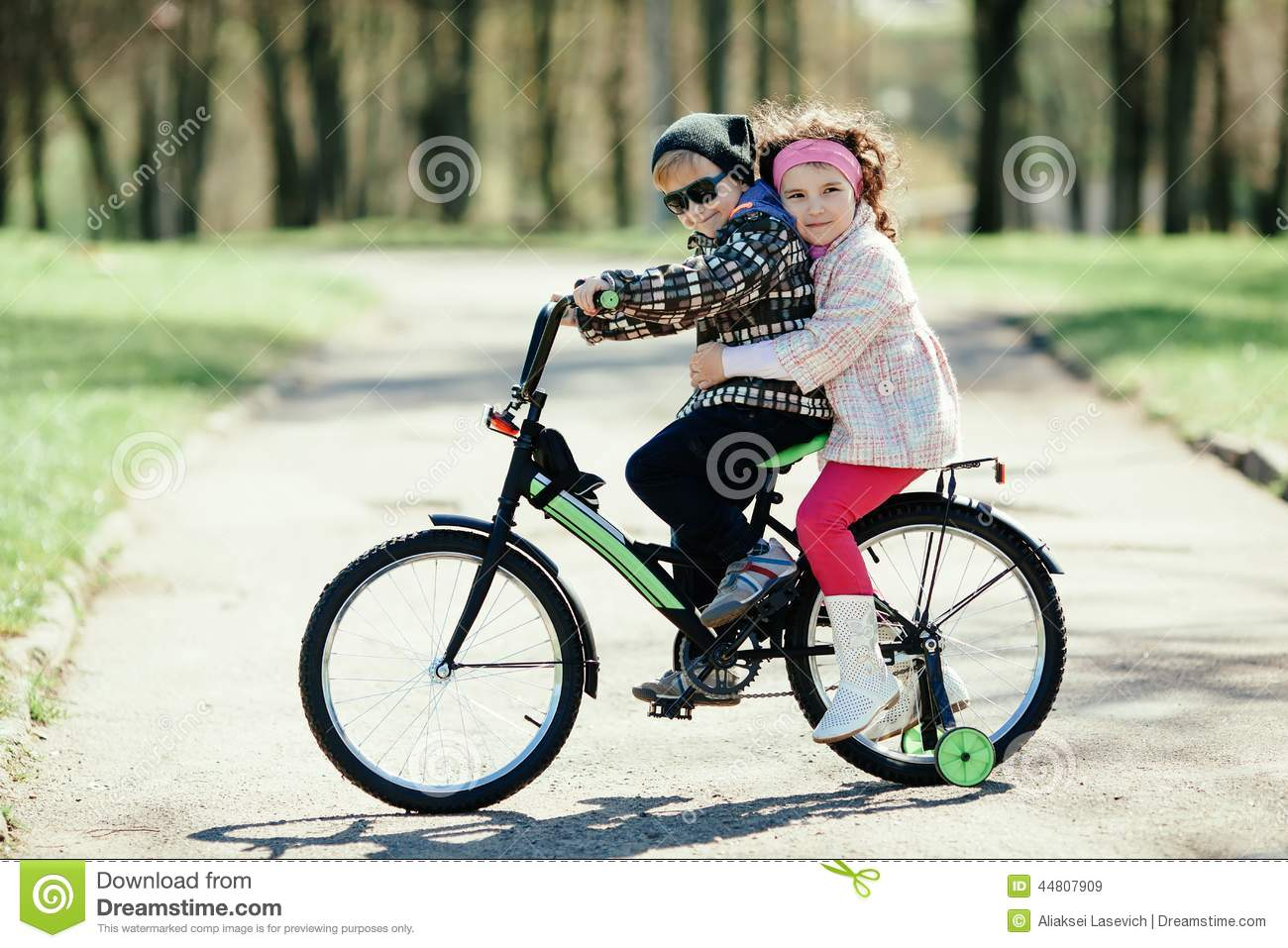 how to ride a bike wirh two people