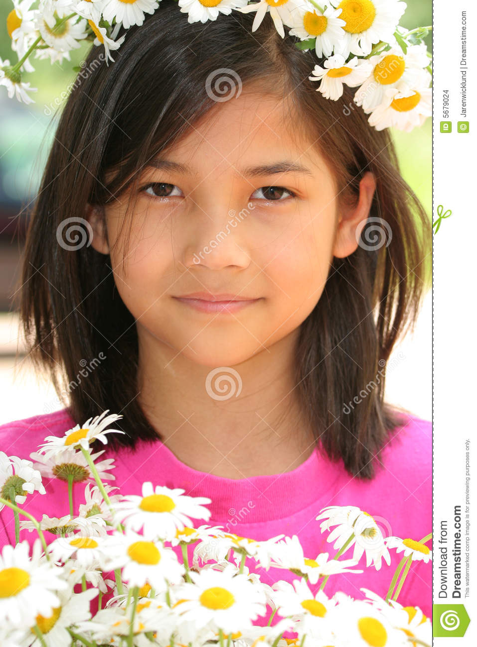 Little Girl With Crown Of Daisies Stock Images - Image ...