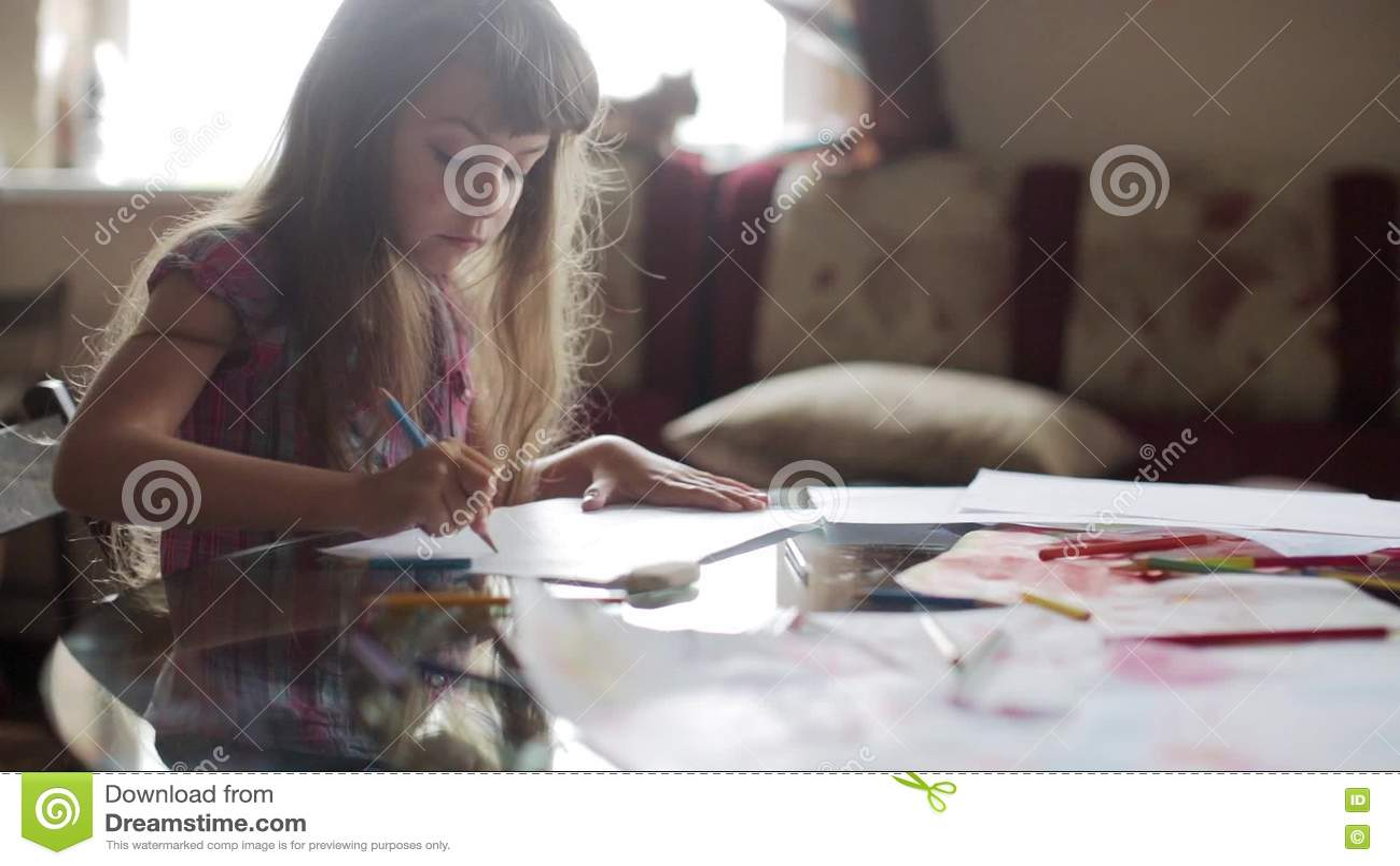 подошли фото девушка рисует член палатке