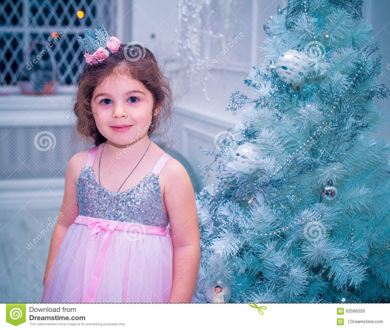 Little Girl Christmas Tree: Little Girl Dressed In Beautiful Fashion White Flower