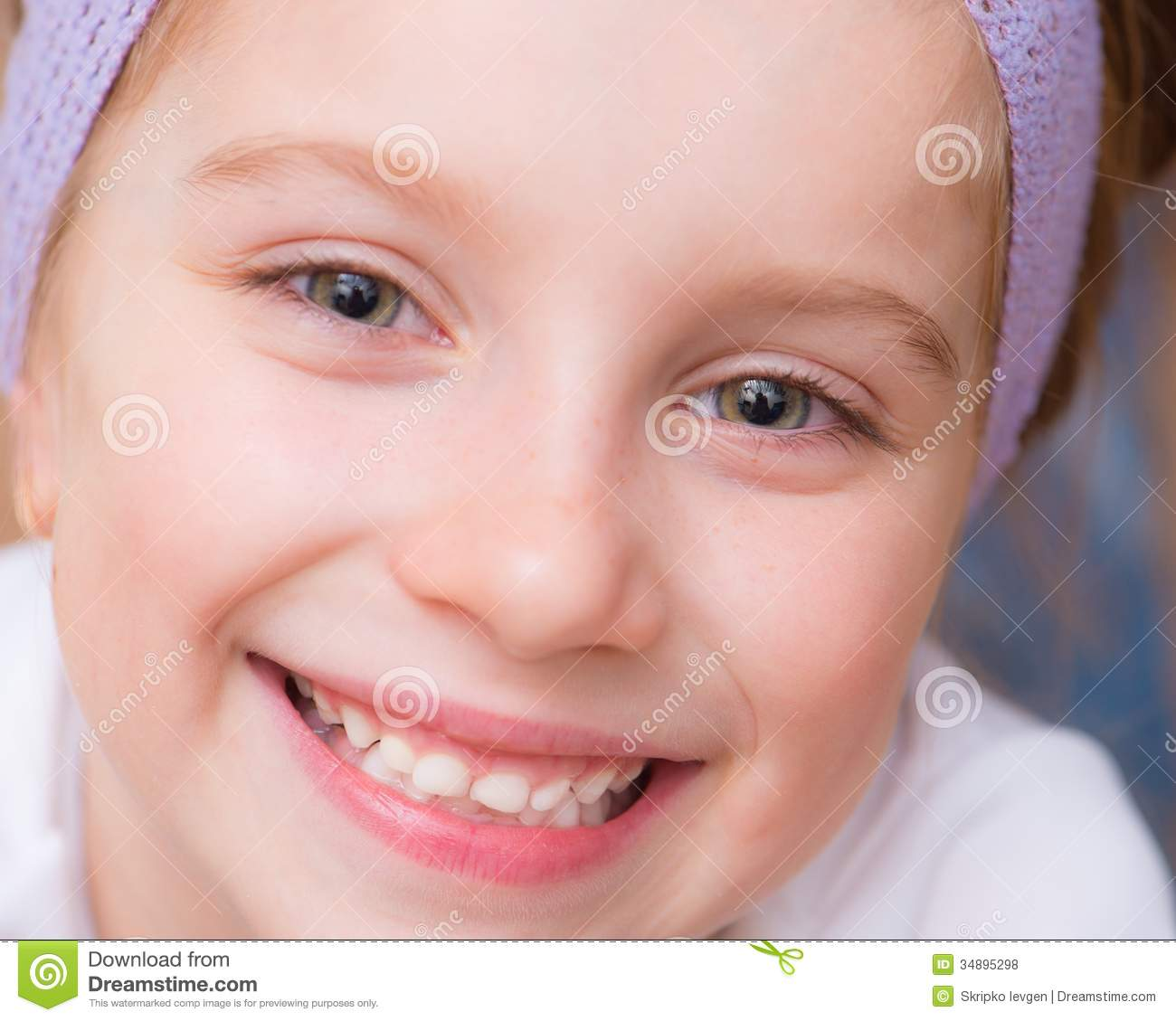 Little Girl Royalty Free Stock Photos - Image: 34895298