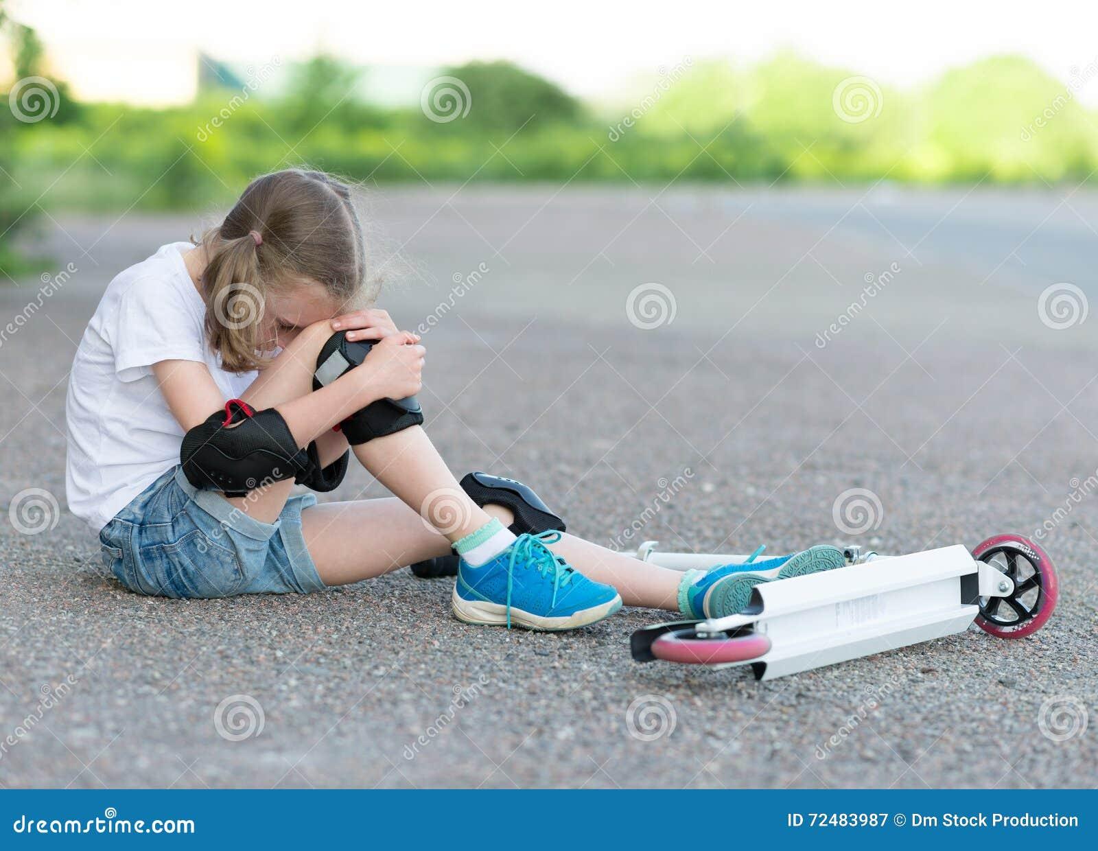 Фото упала девушек