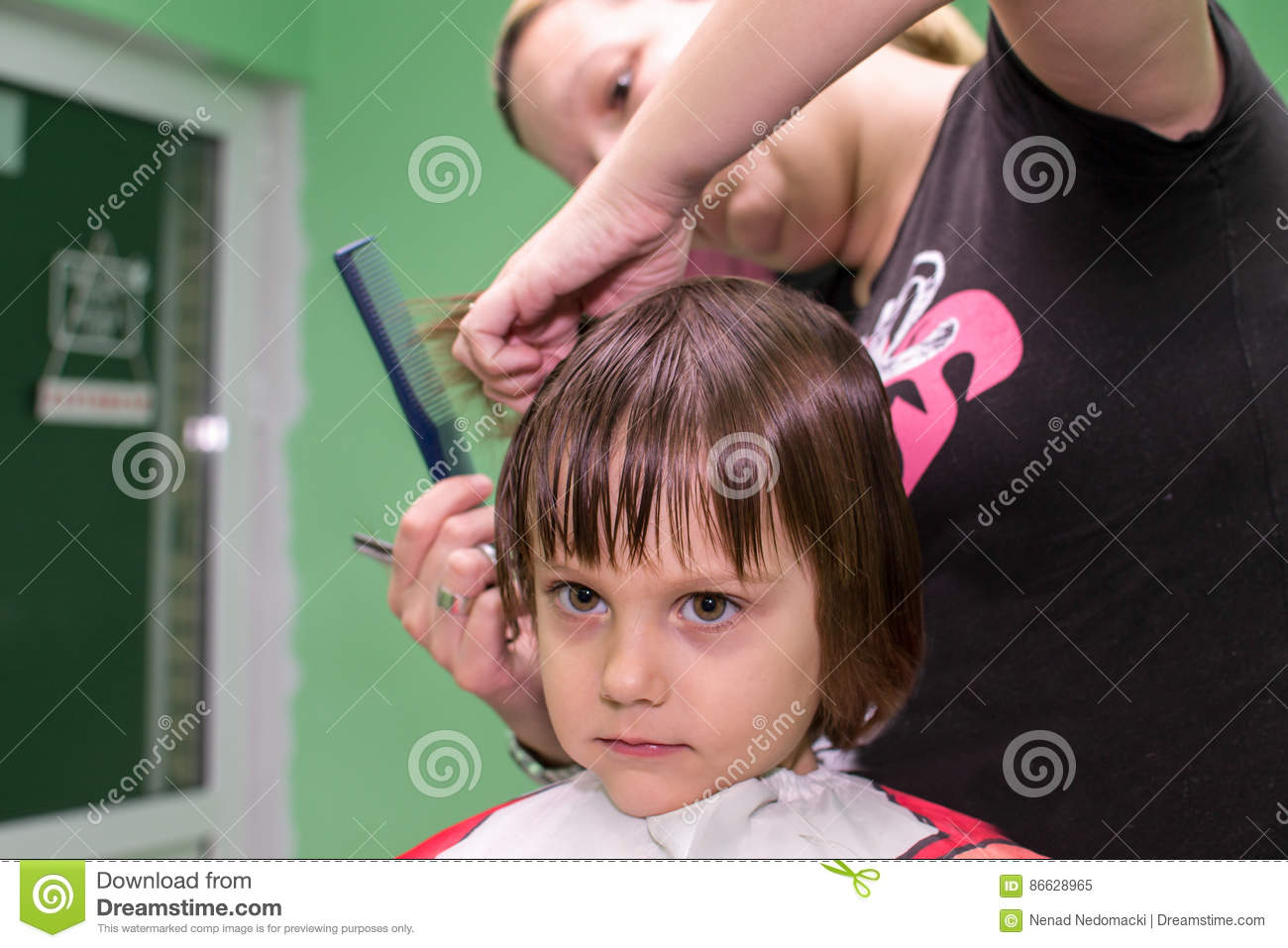 Little Girl Getting Haircut In Salon Stock Image Image Of