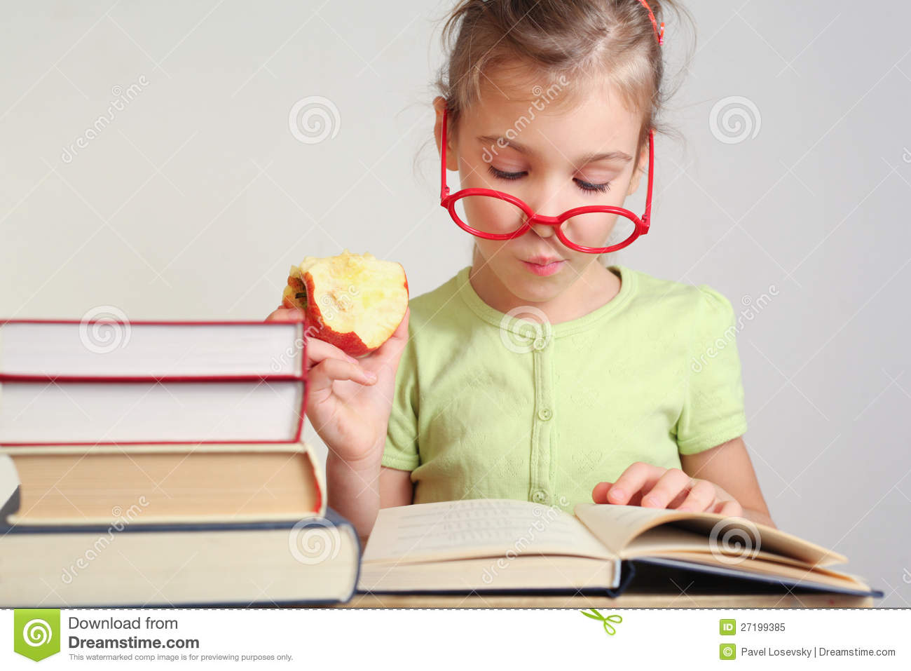 book report little woman Vocabulary from little women word are organized by section of the book and presented in context, with definition click on a word for pronunciation, synonyms, examples of use, more click on a word for pronunciation, synonyms, examples of use, more.