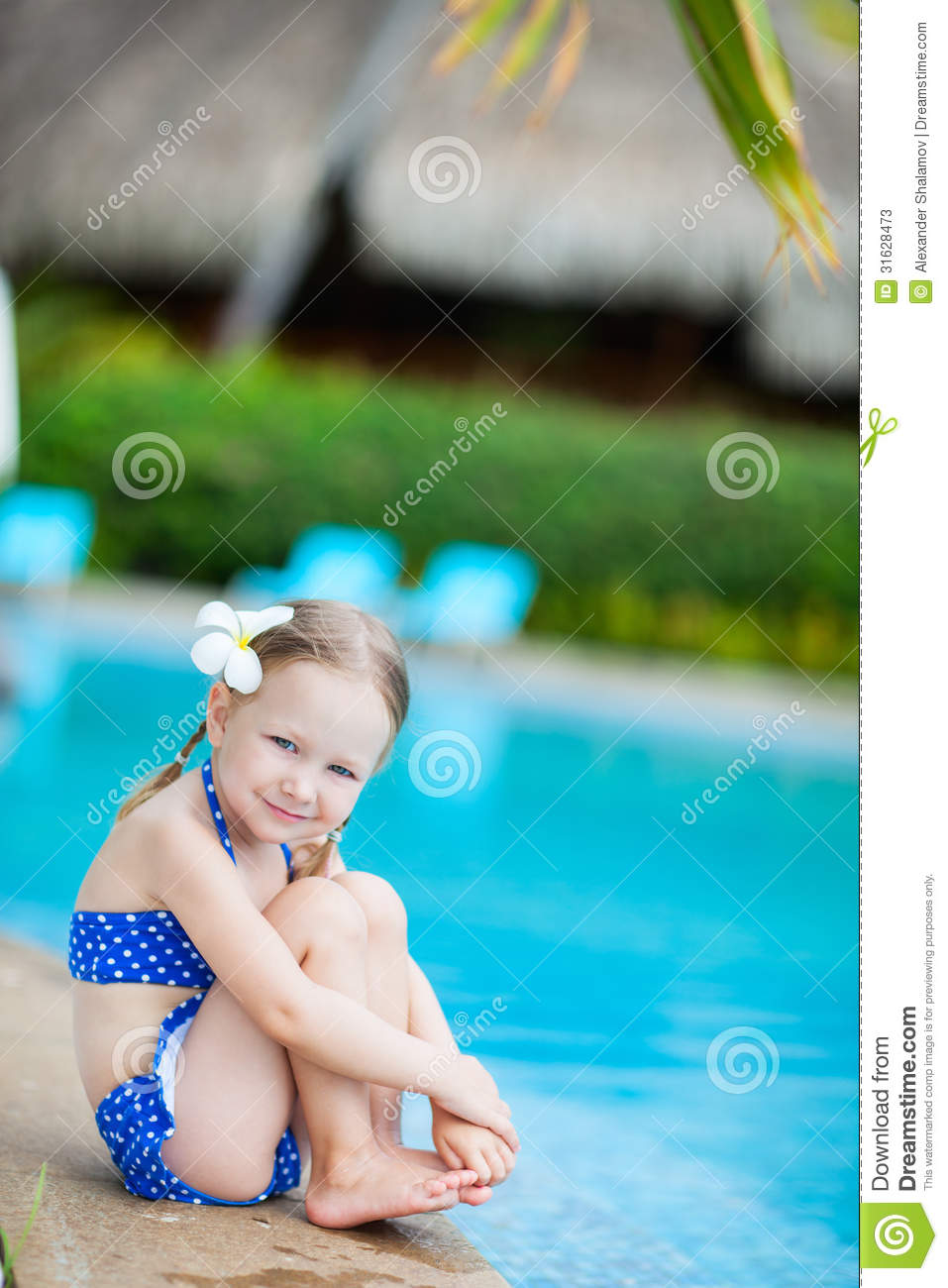 Little Girl In Pool Pics Images