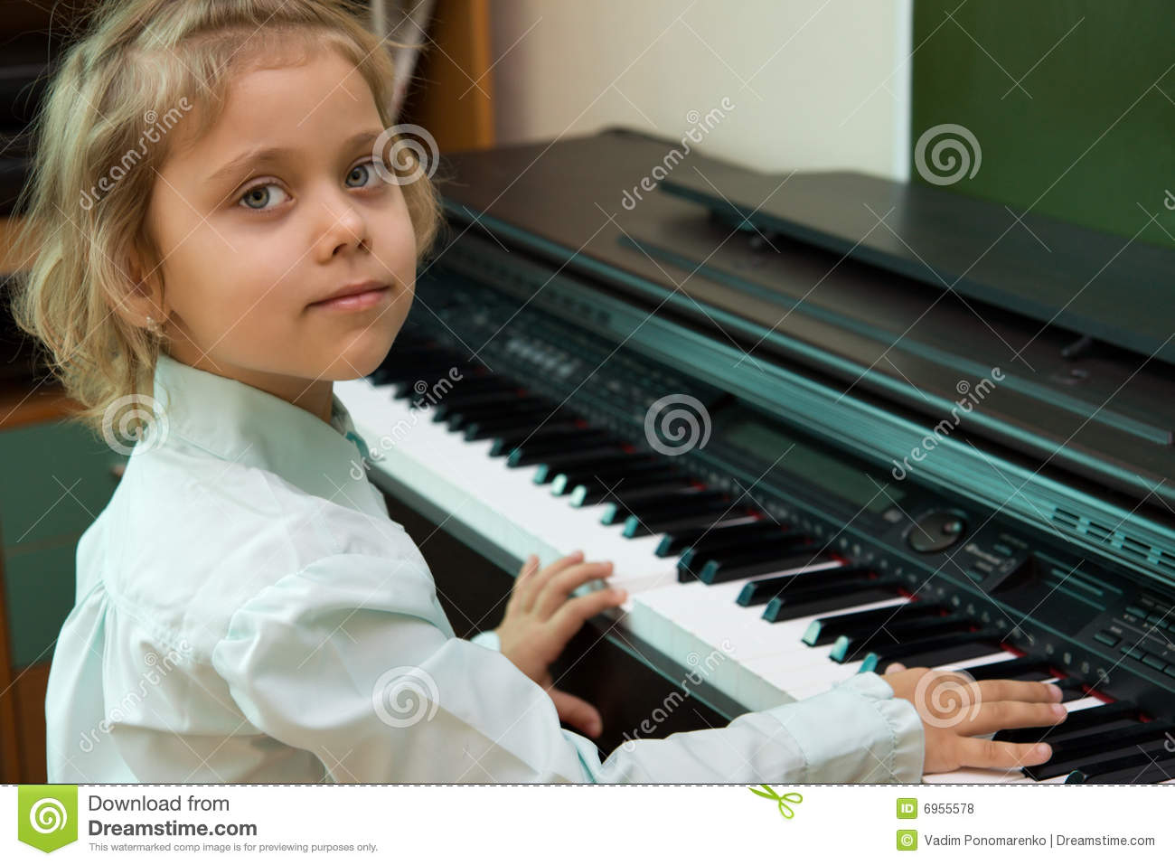Little girl nude playing piano you were