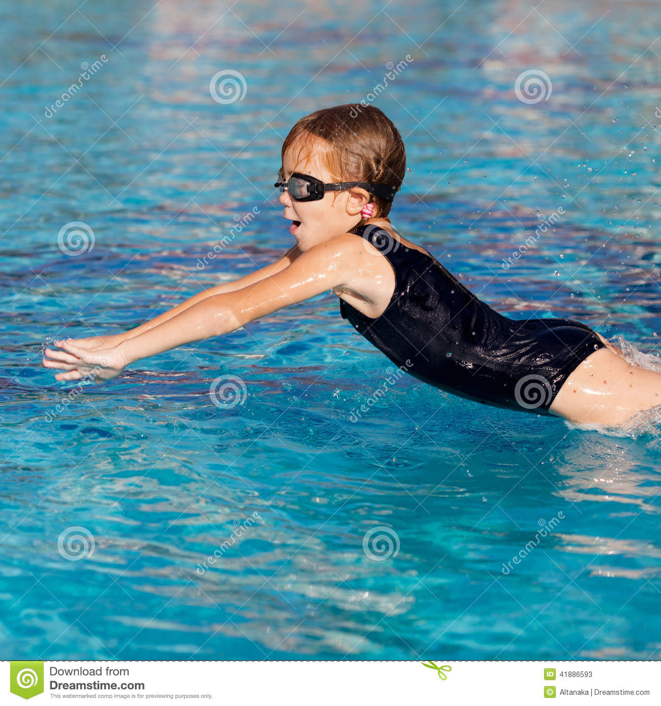 Little Girl Playing In The Swimming Pool Stock Photo Image 41886593