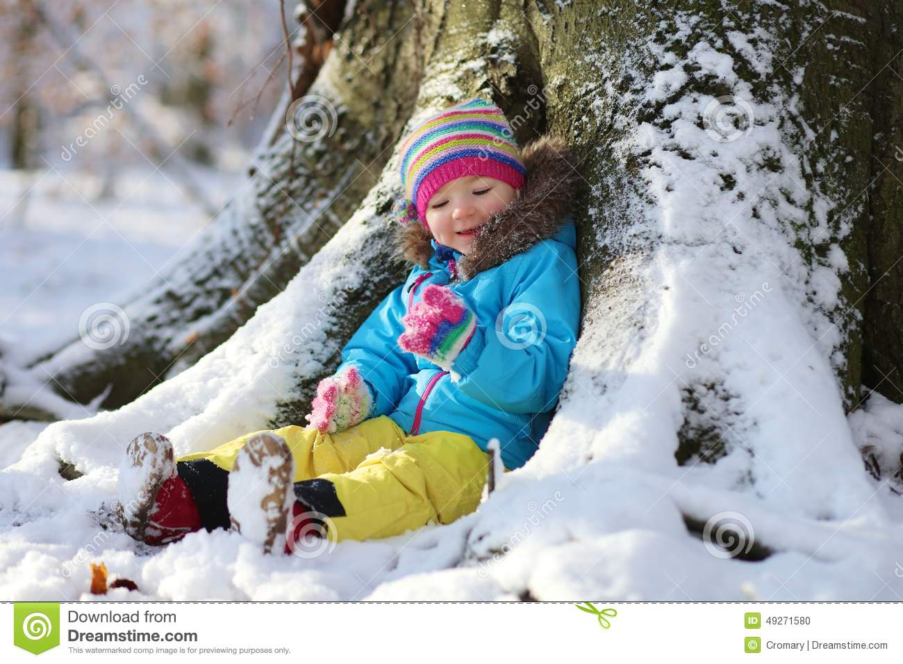 c130ea094 Little Girl Playing In Winter Forest Stock Photo - Image of cute ...