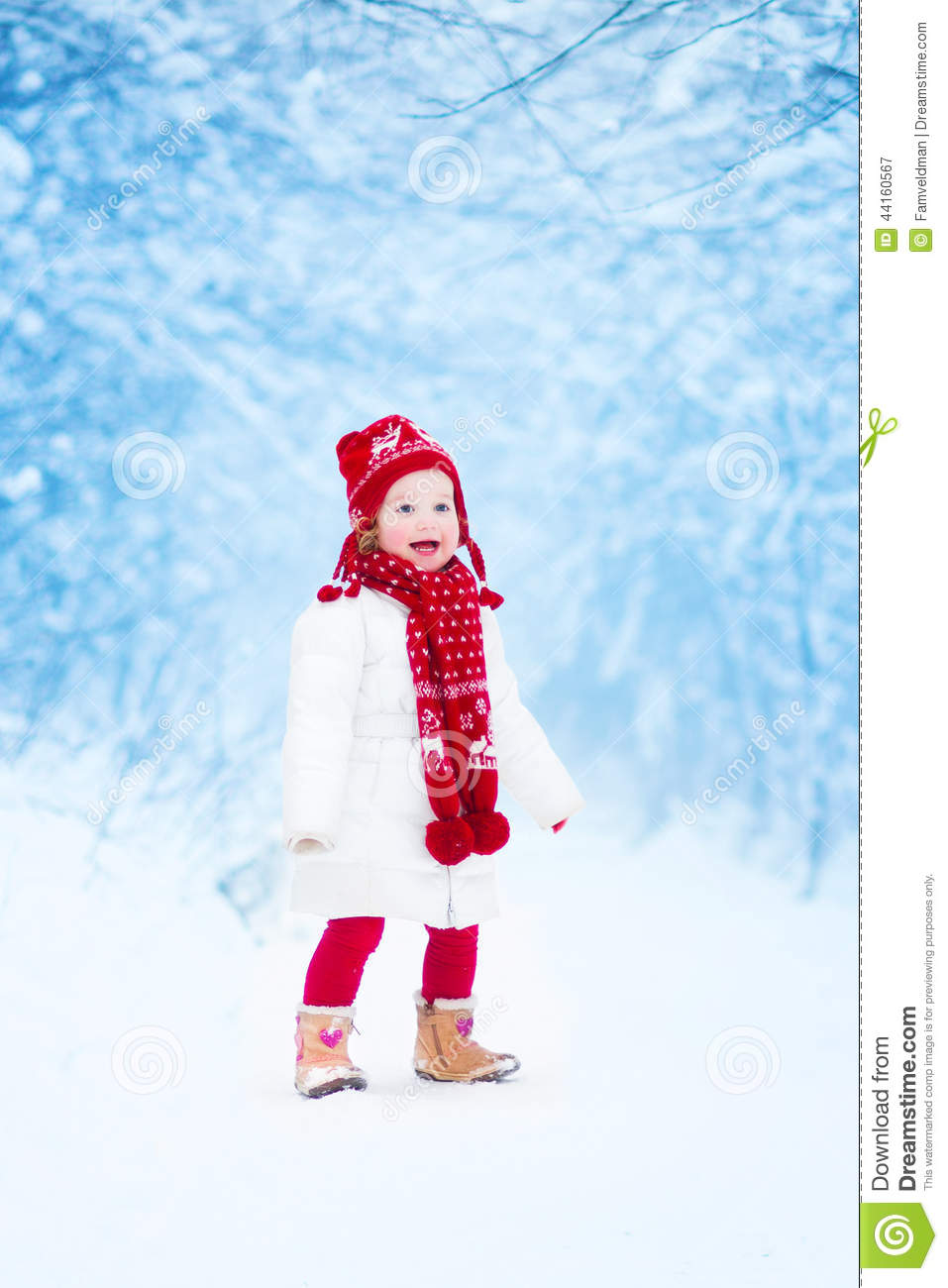 e5f2d7e86 Little Girl Running In A Snowy Park Stock Image - Image of happiness ...