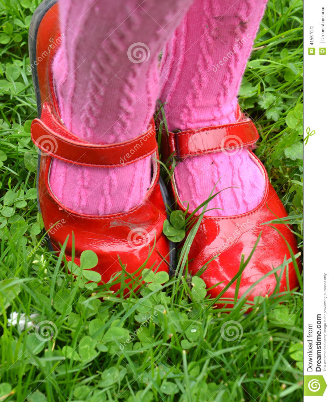 newest 4452f 2bece Little girl s red shoes