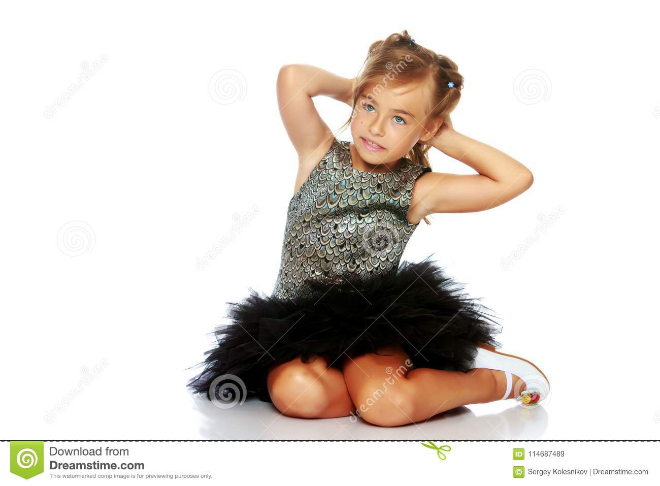 130685f4e Little Girl Is Sitting On The Floor. Stock Image - Image of ...