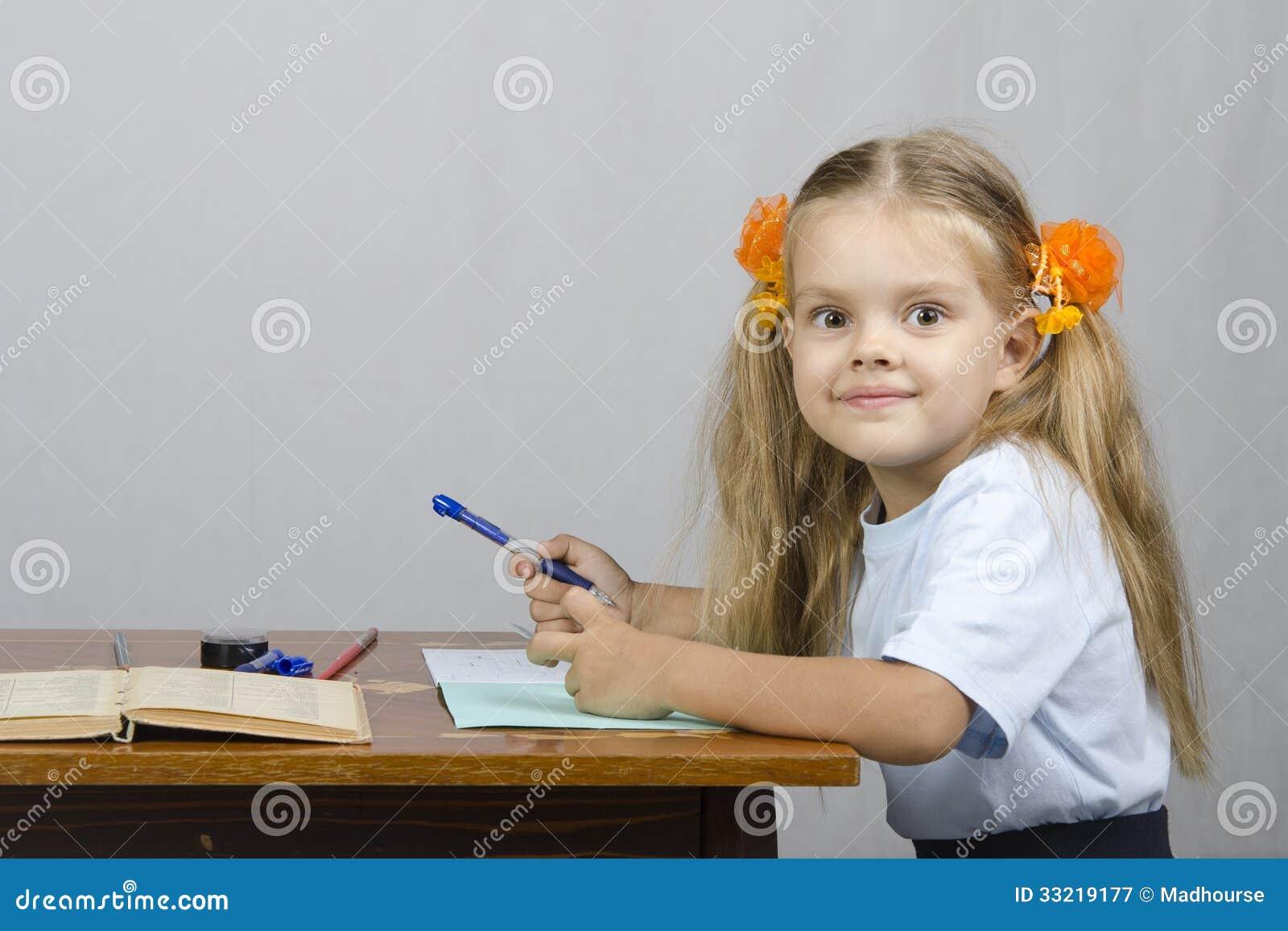 Фото маленькая девочка писает 19 фотография