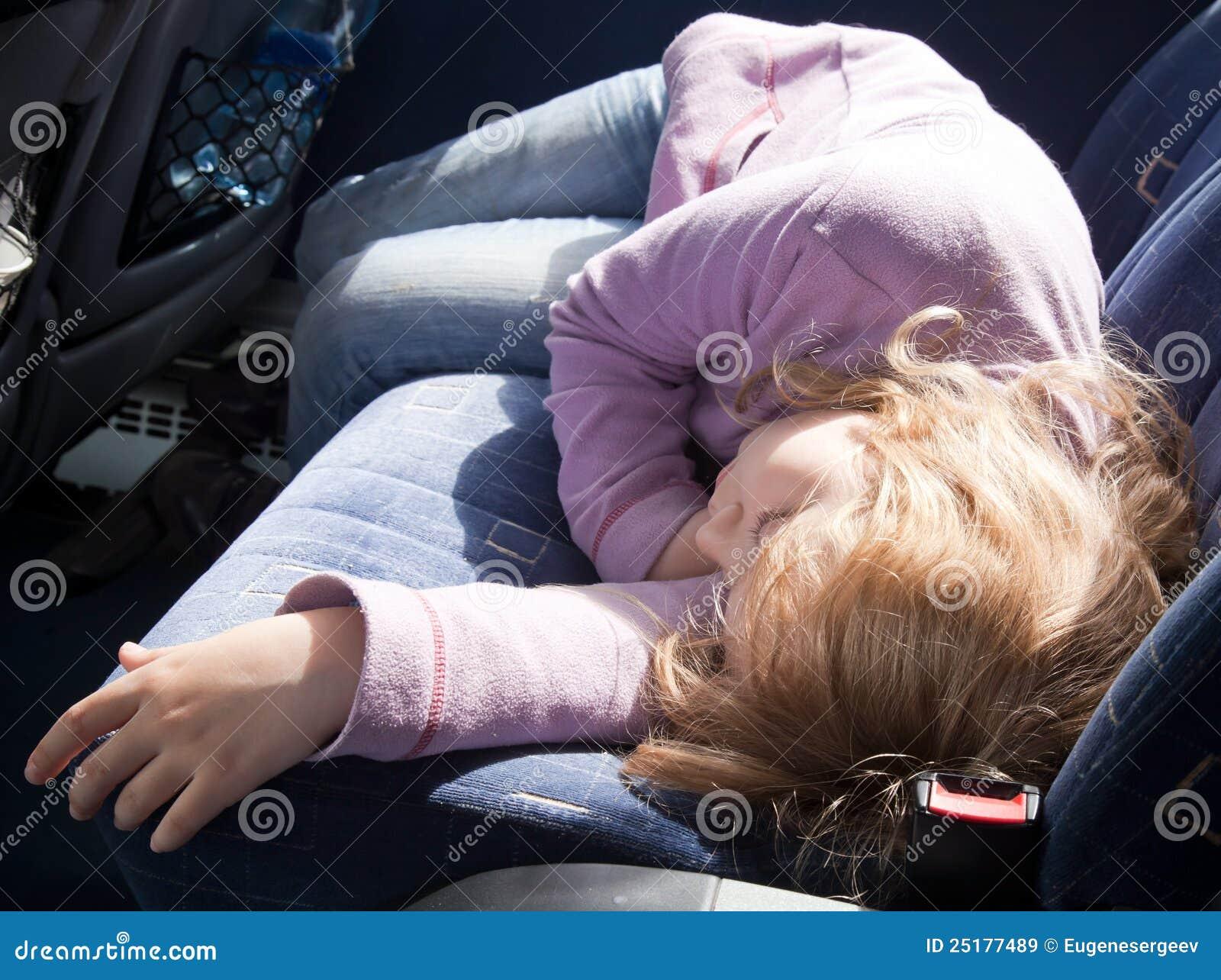 Спящие в маршрутке 8 фотография