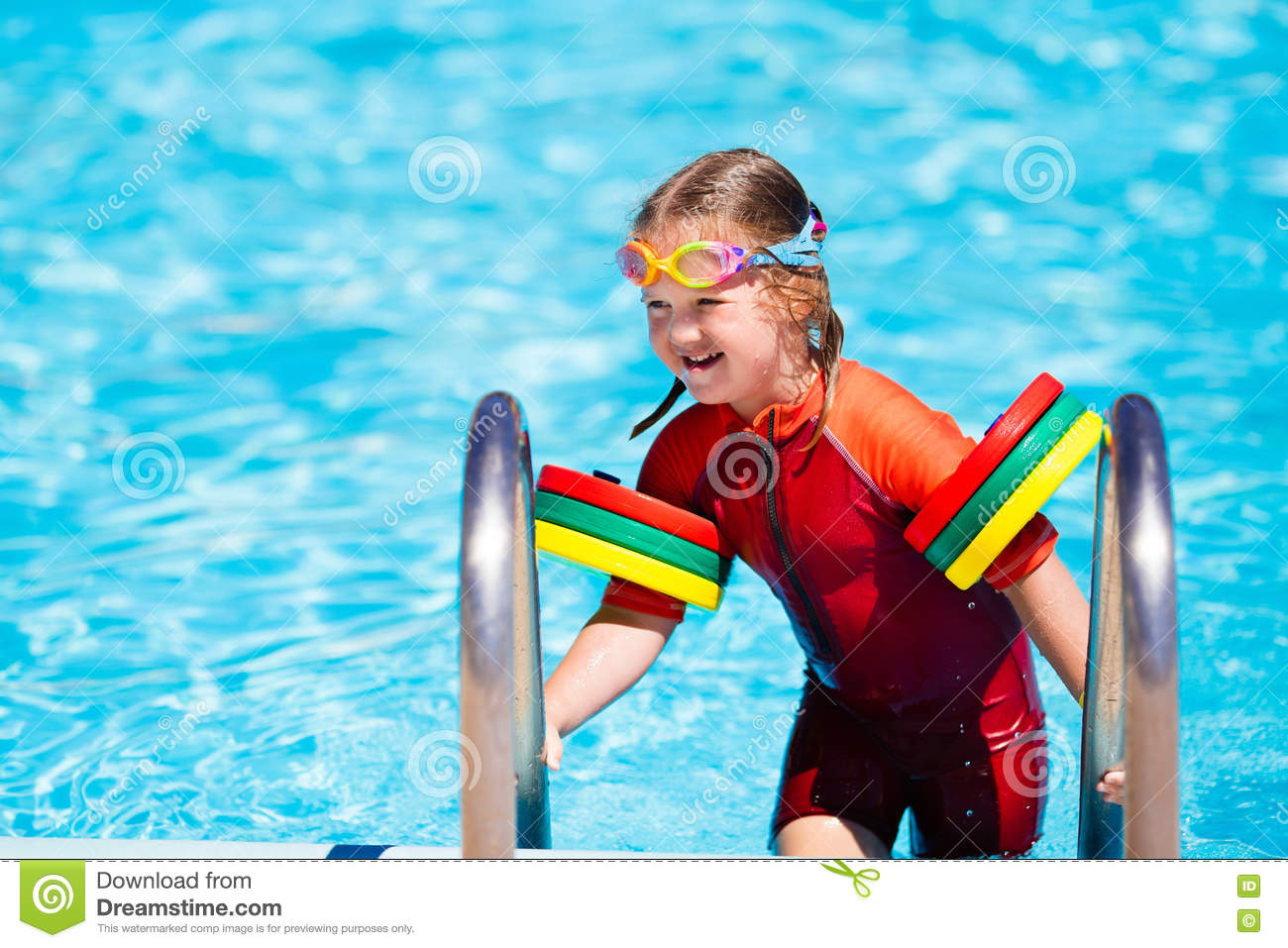 Little Girl In Swimming Pool Stock Image - Image of child