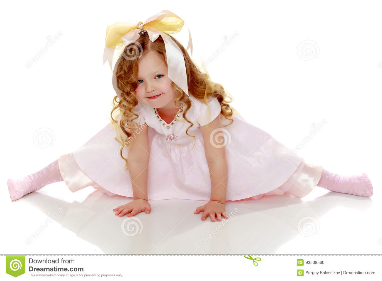 Little Girl Trying To Do The Splits Stock Photo - Image Of Pretty, Happy 93508560-1293