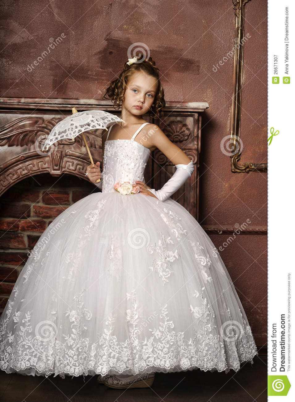 7506315b89 Little Girl In Wedding Dress Stock Image - Image of girl