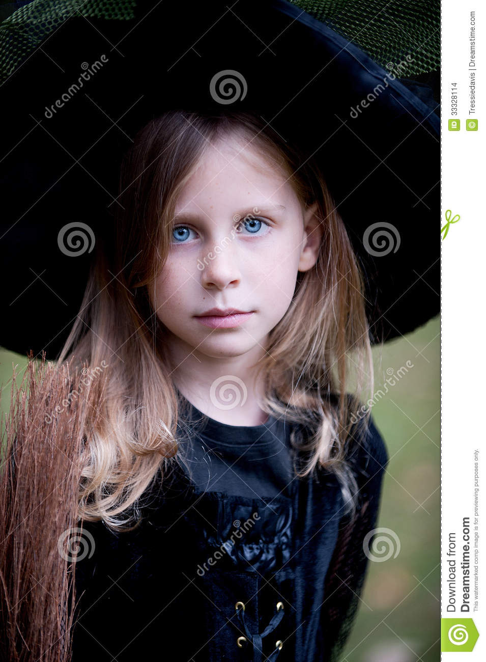 Download comp  sc 1 st  Dreamstime.com & Little Girl In Witch Costume Stock Photo - Image of youth ...