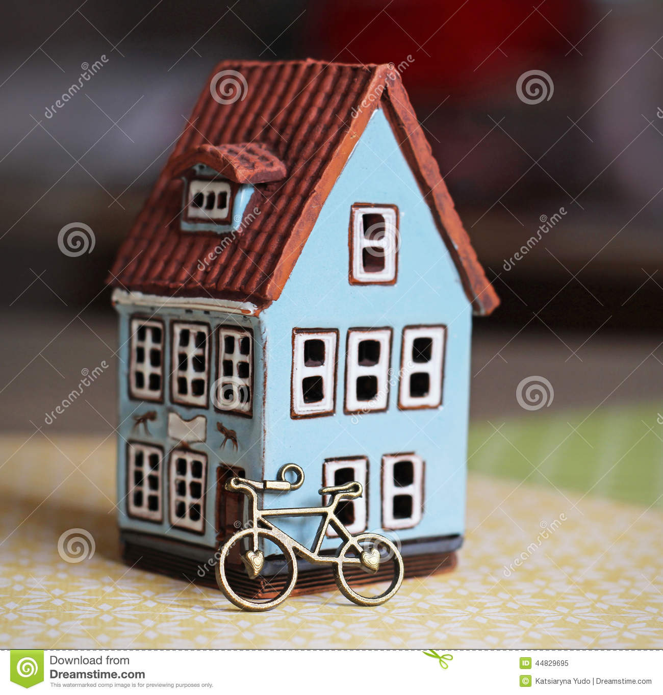Little house and bicycle