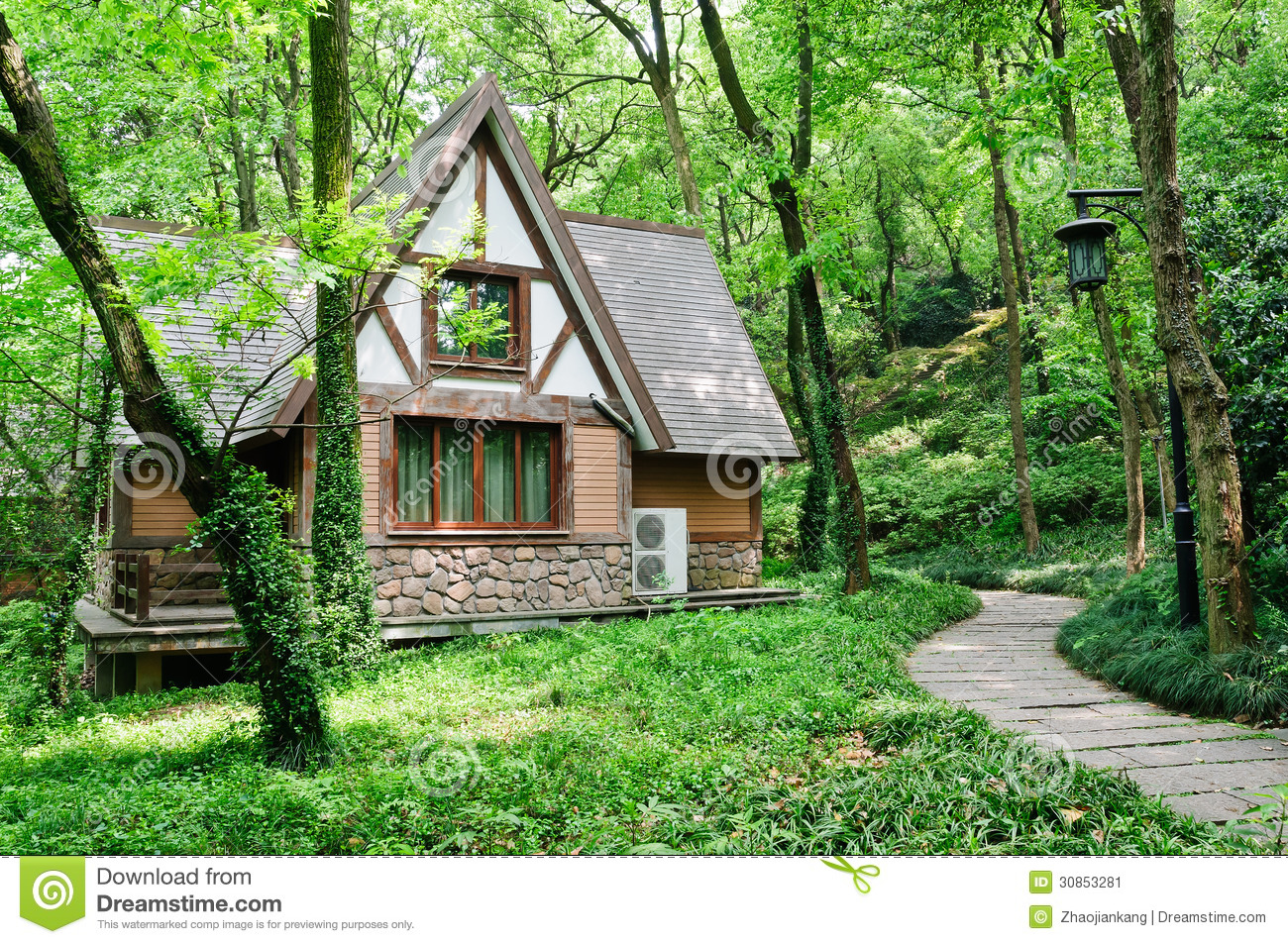 Little house in the woods stock image image of nature for Building a small cabin in the woods