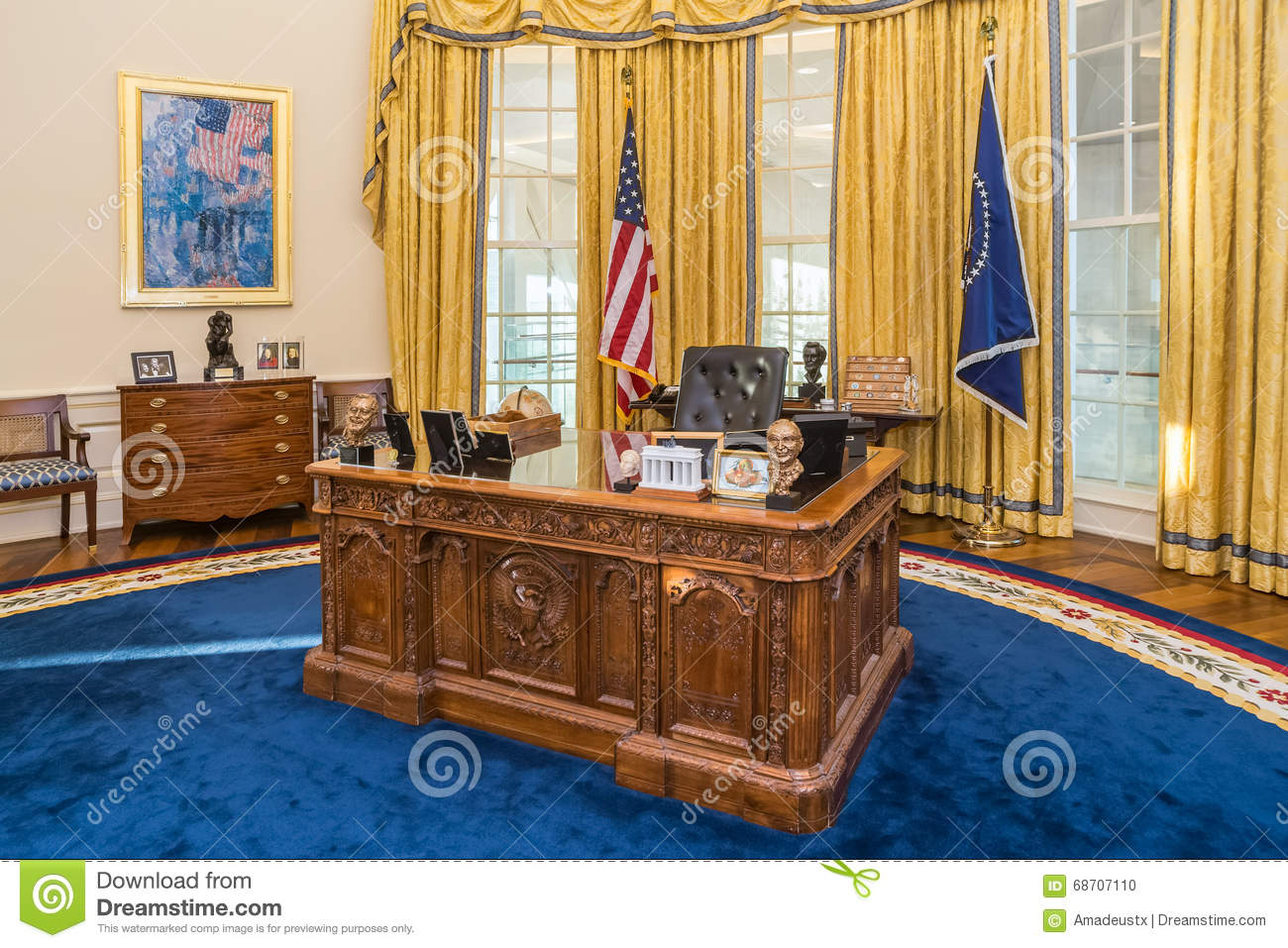 oval office white house. Little Rock, AR/USA - Circa February 2016: Table In Replica Of White Oval Office House