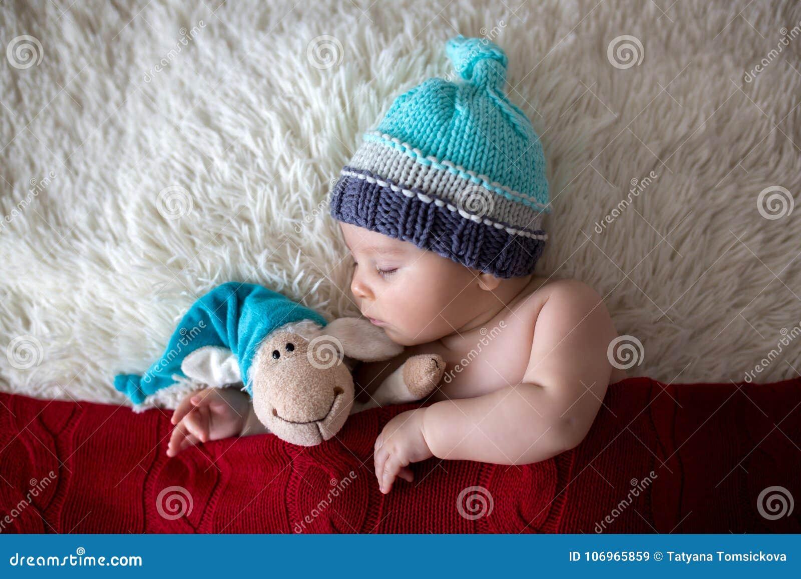 Little Sleeping Newborn Baby Boy 77a8594f11ce