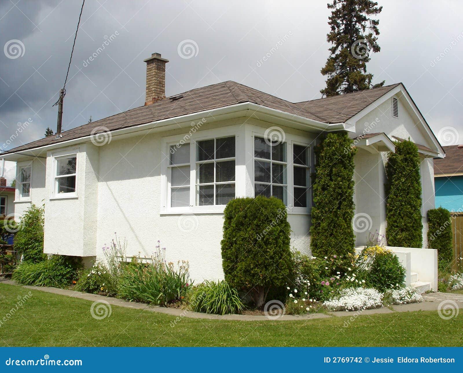 Exterior window trim ideas for stucco - Little White Stucco House White Trimpure Whitepaint Ideasexterior