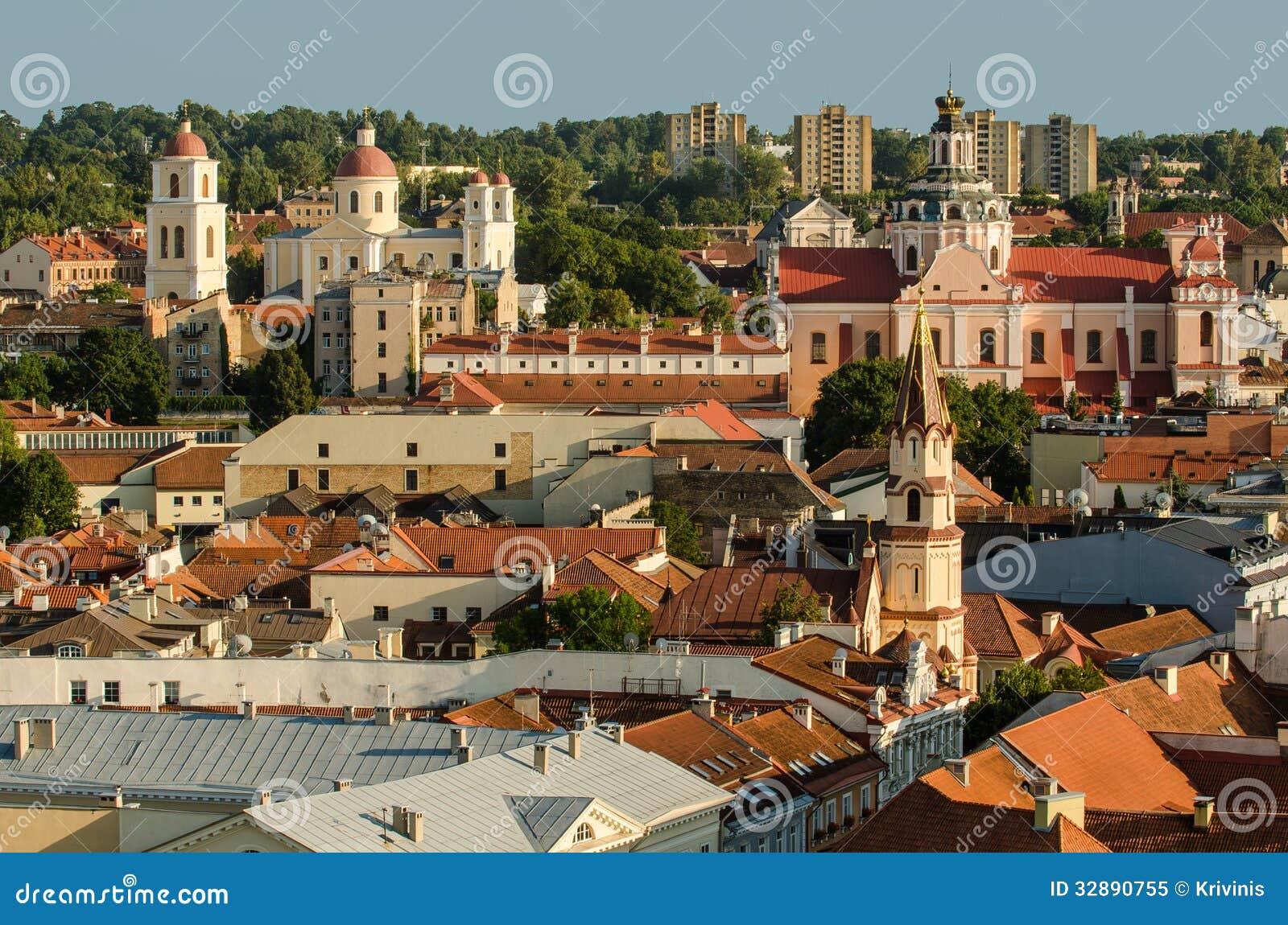 Lituania. Ciudad vieja de Vilna en el verano
