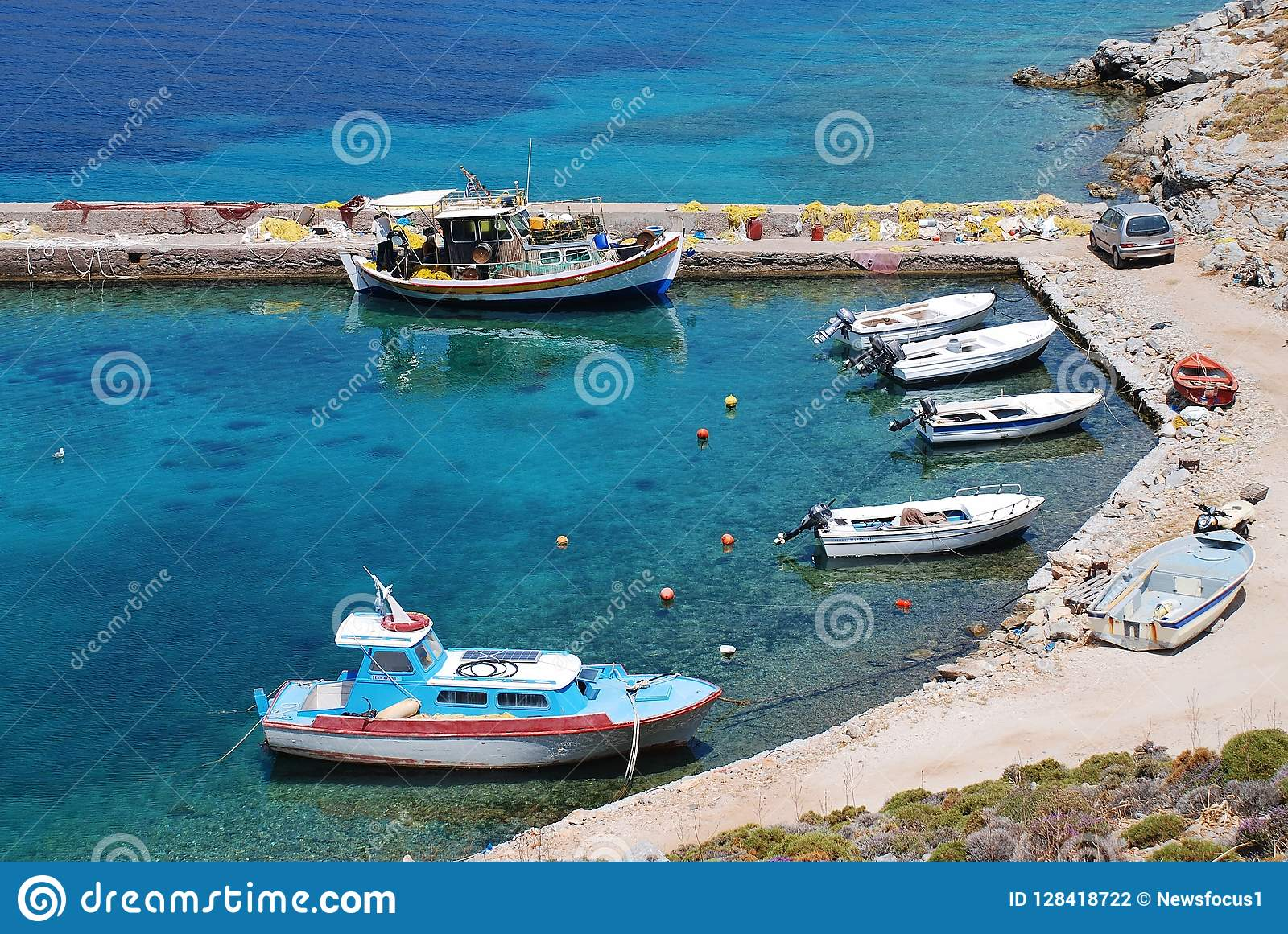 Livadia港口,蒂洛斯岛