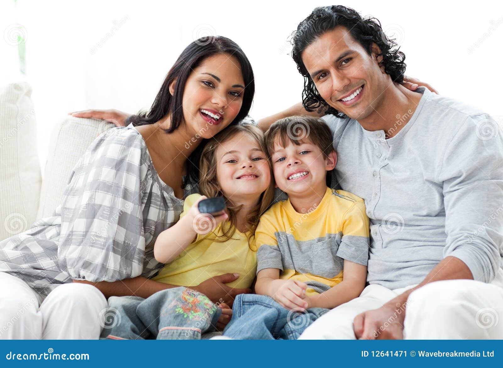 Родителей не было дома и брат с сестрой 1 фотография