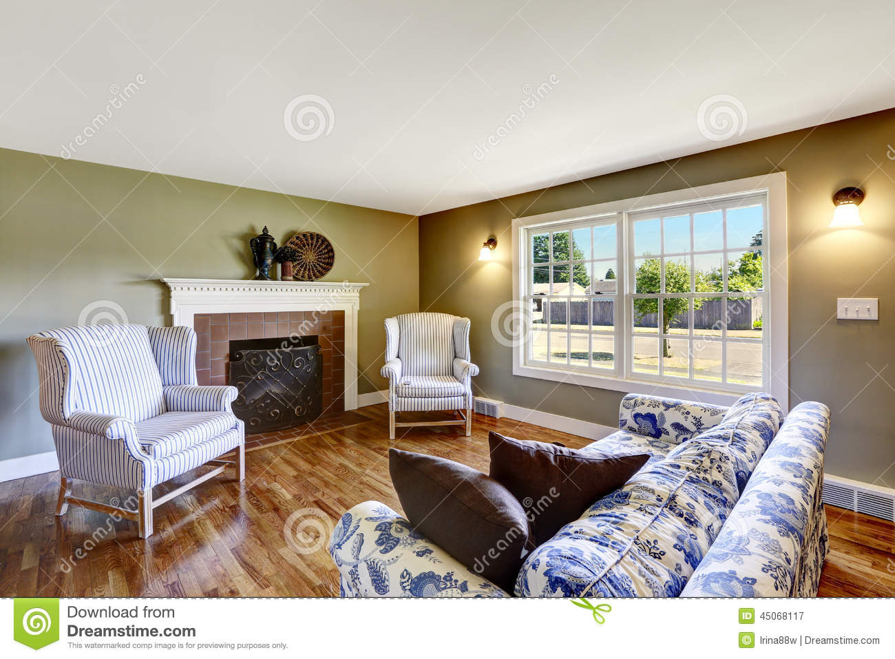 Bon Download Living Room With Fireplace And Antique Chairs .