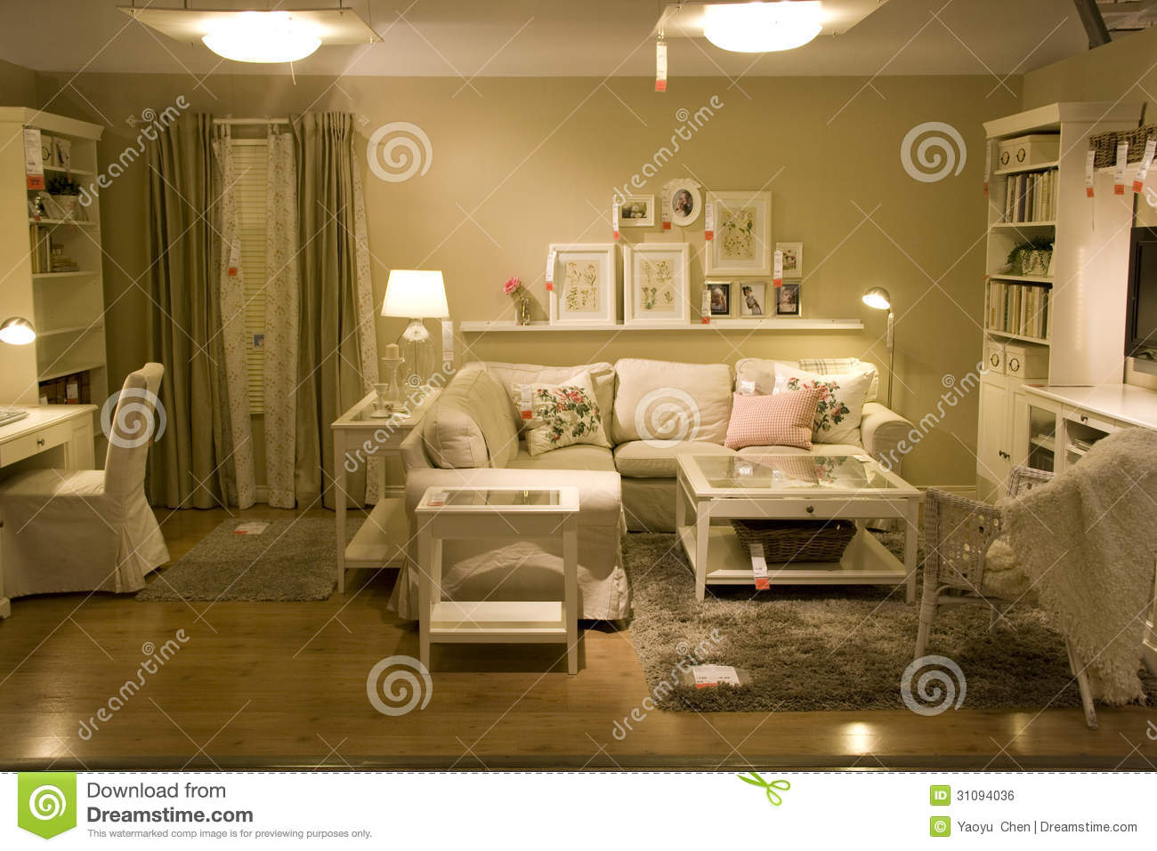 Living Room Furniture Store Editorial Photo - Image: 31094036